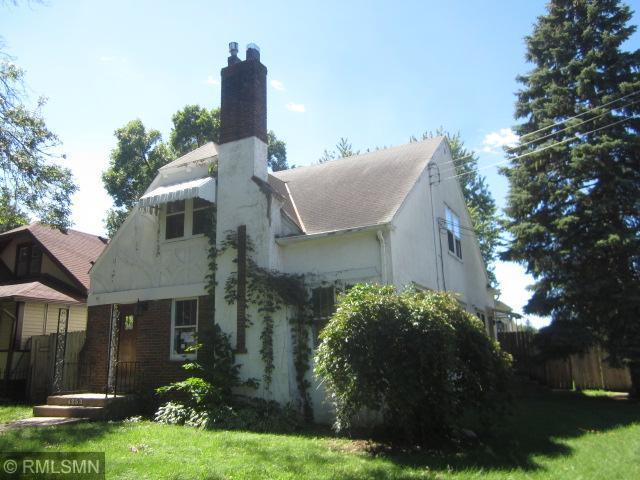 4253 James Avenue N Property Photo