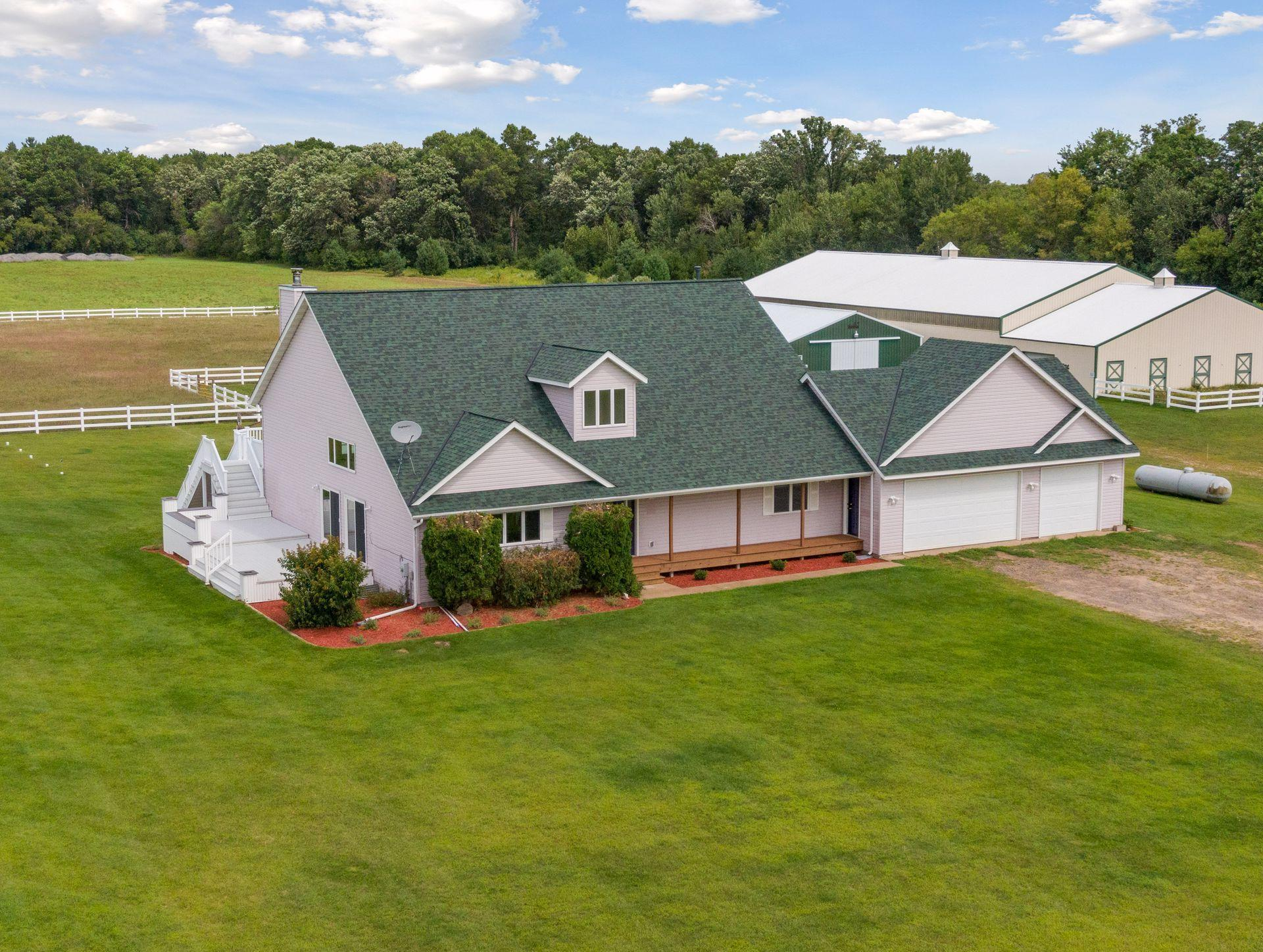 8476 380th Street Property Photo - North Branch, MN real estate listing