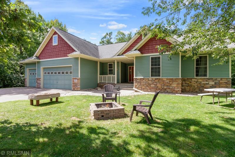 463 Lookout Lane Property Photo - Saint Croix Falls, WI real estate listing