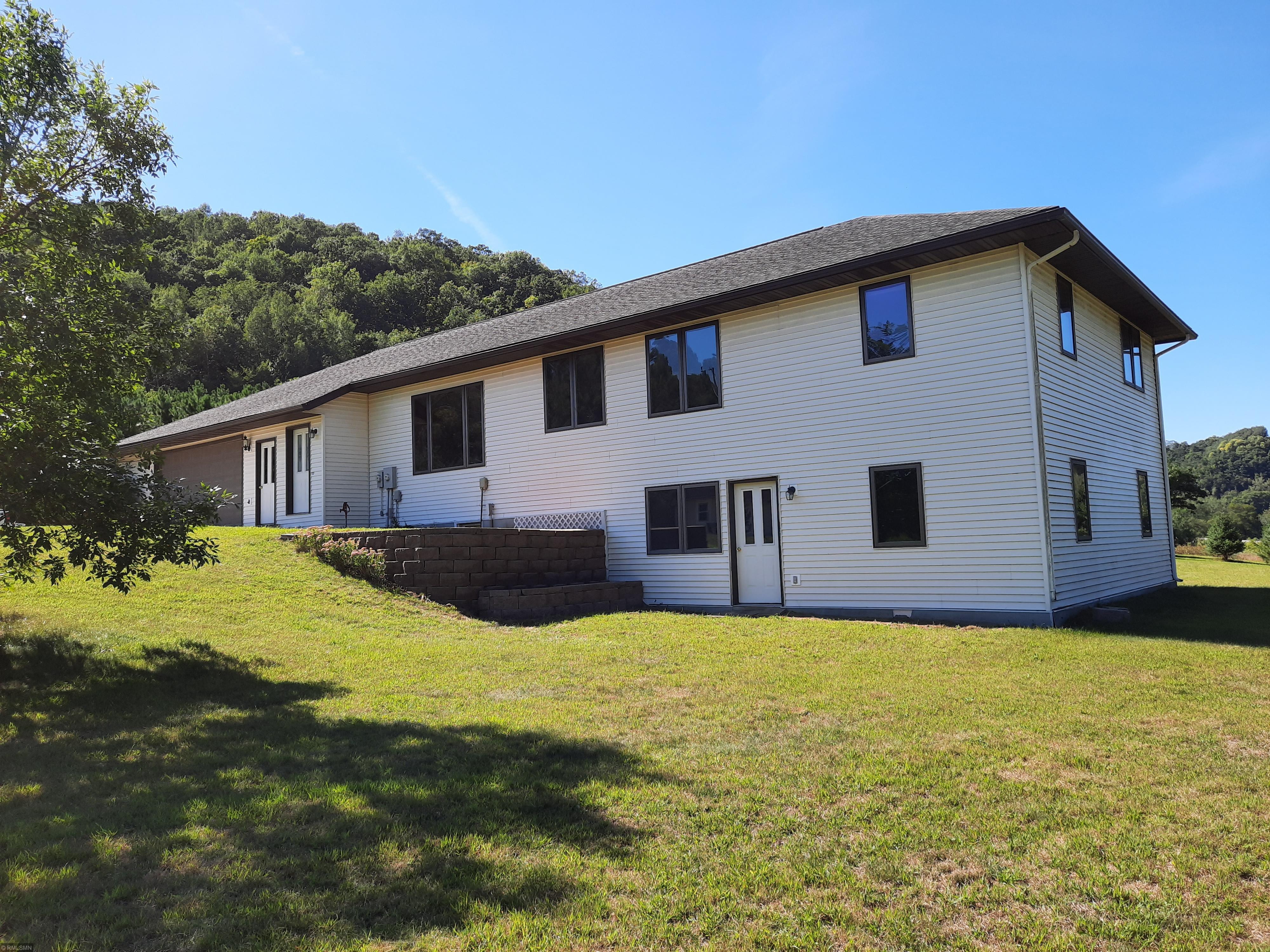 45239 County Line Road Property Photo