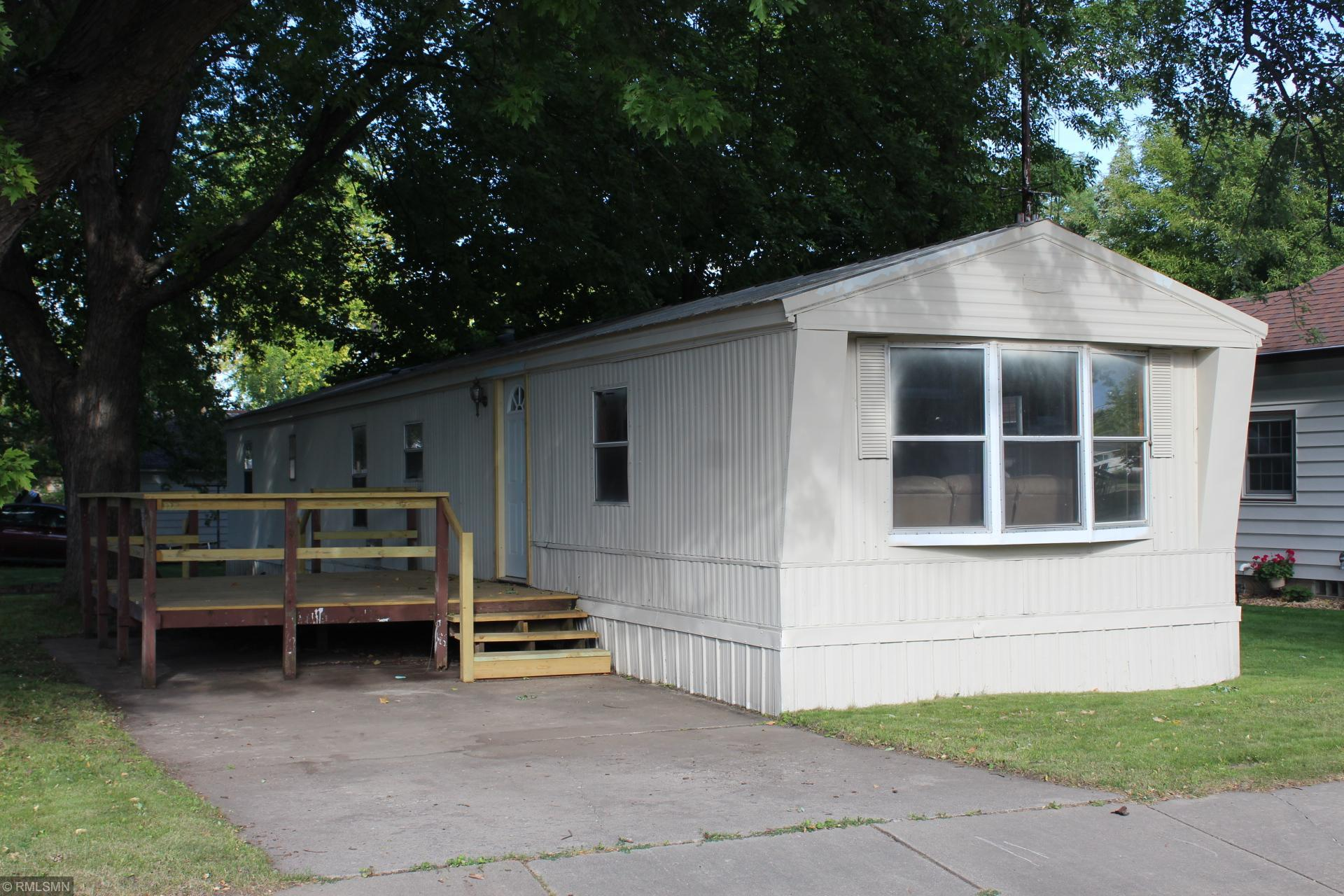 606 Division Street W Property Photo - Brownton, MN real estate listing