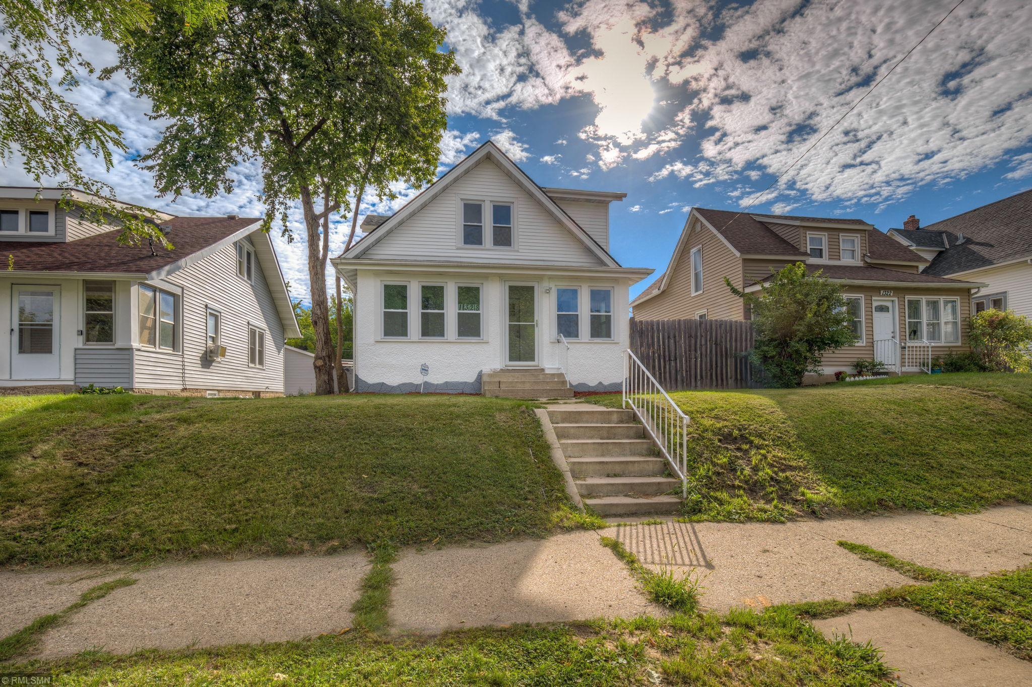 1328 Vincent Avenue N Property Photo