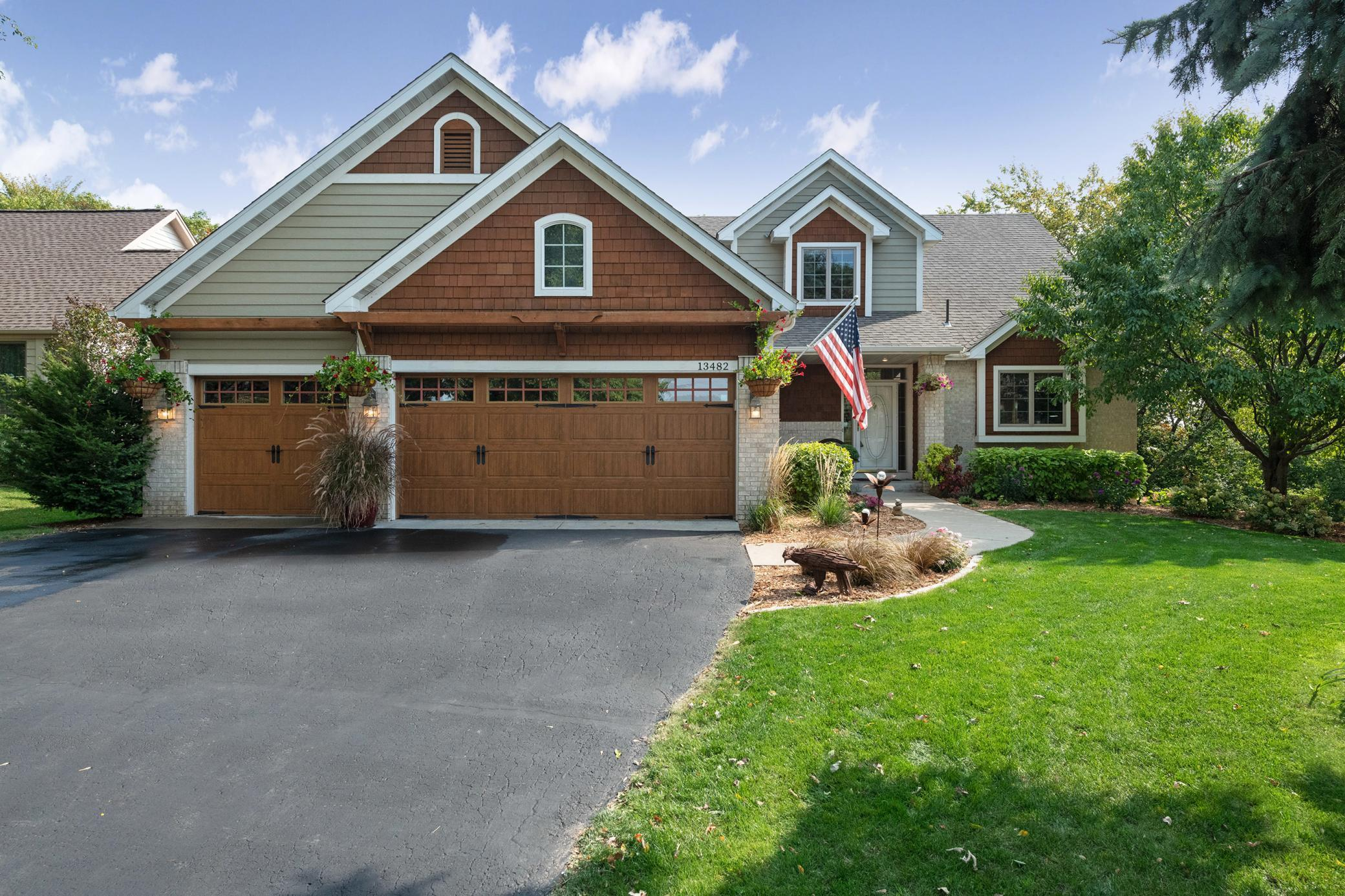 13482 Geneva Way Property Photo - Apple Valley, MN real estate listing