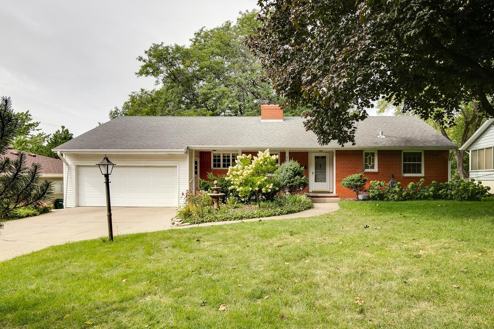3008 Armour Terrace Property Photo - Saint Anthony, MN real estate listing