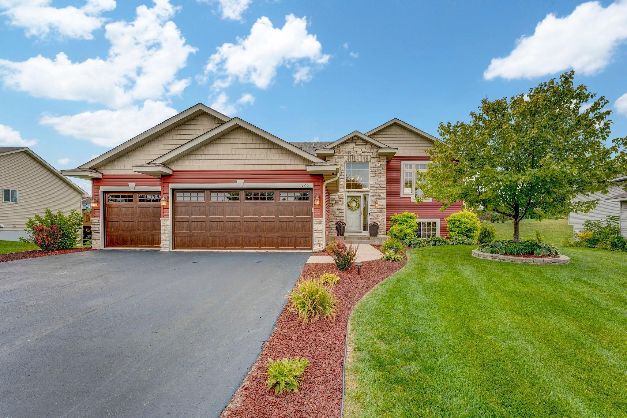 828 Emerson Avenue N Property Photo - Montrose, MN real estate listing