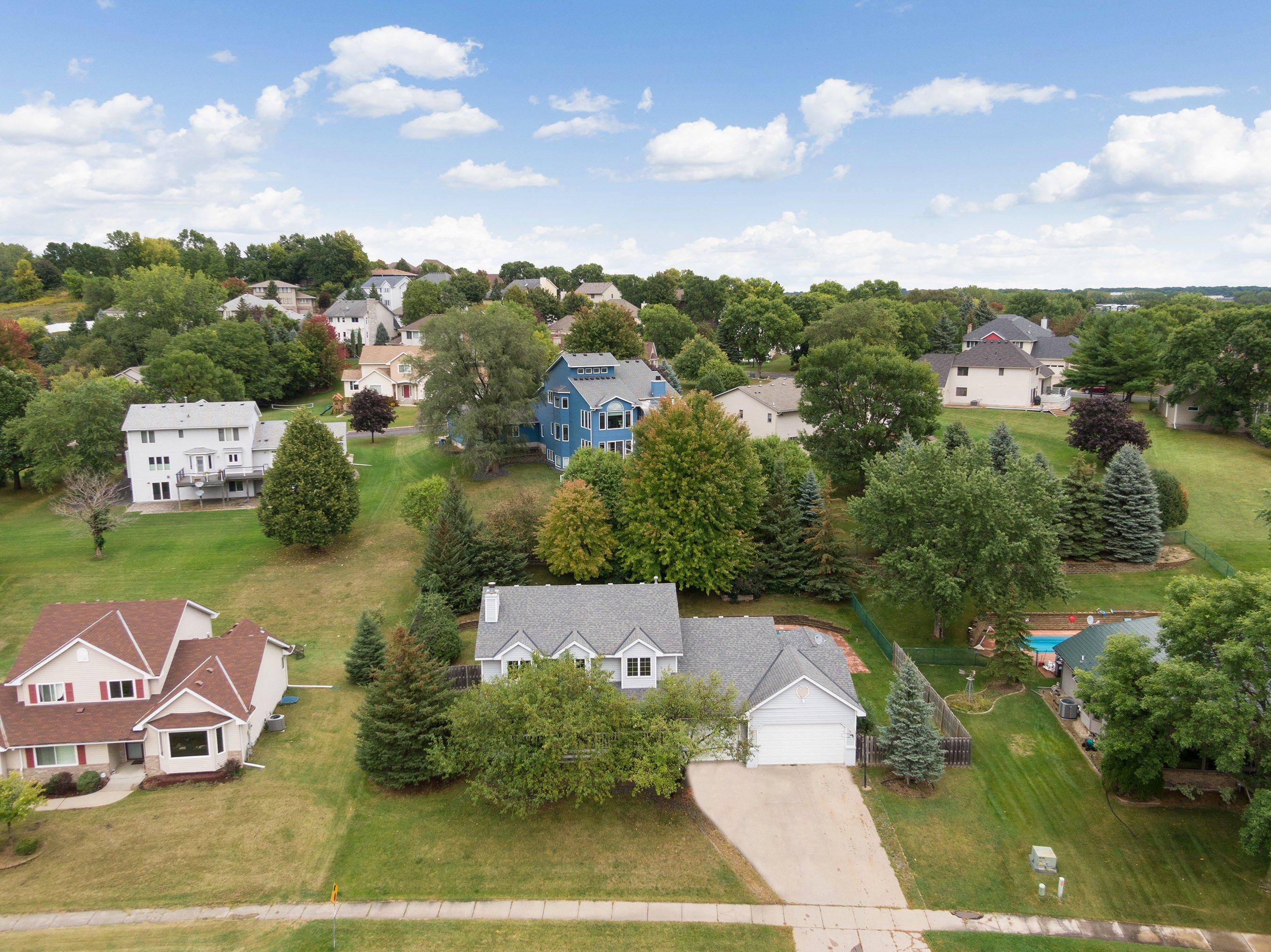 2964 Walter Street Property Photo - Maplewood, MN real estate listing