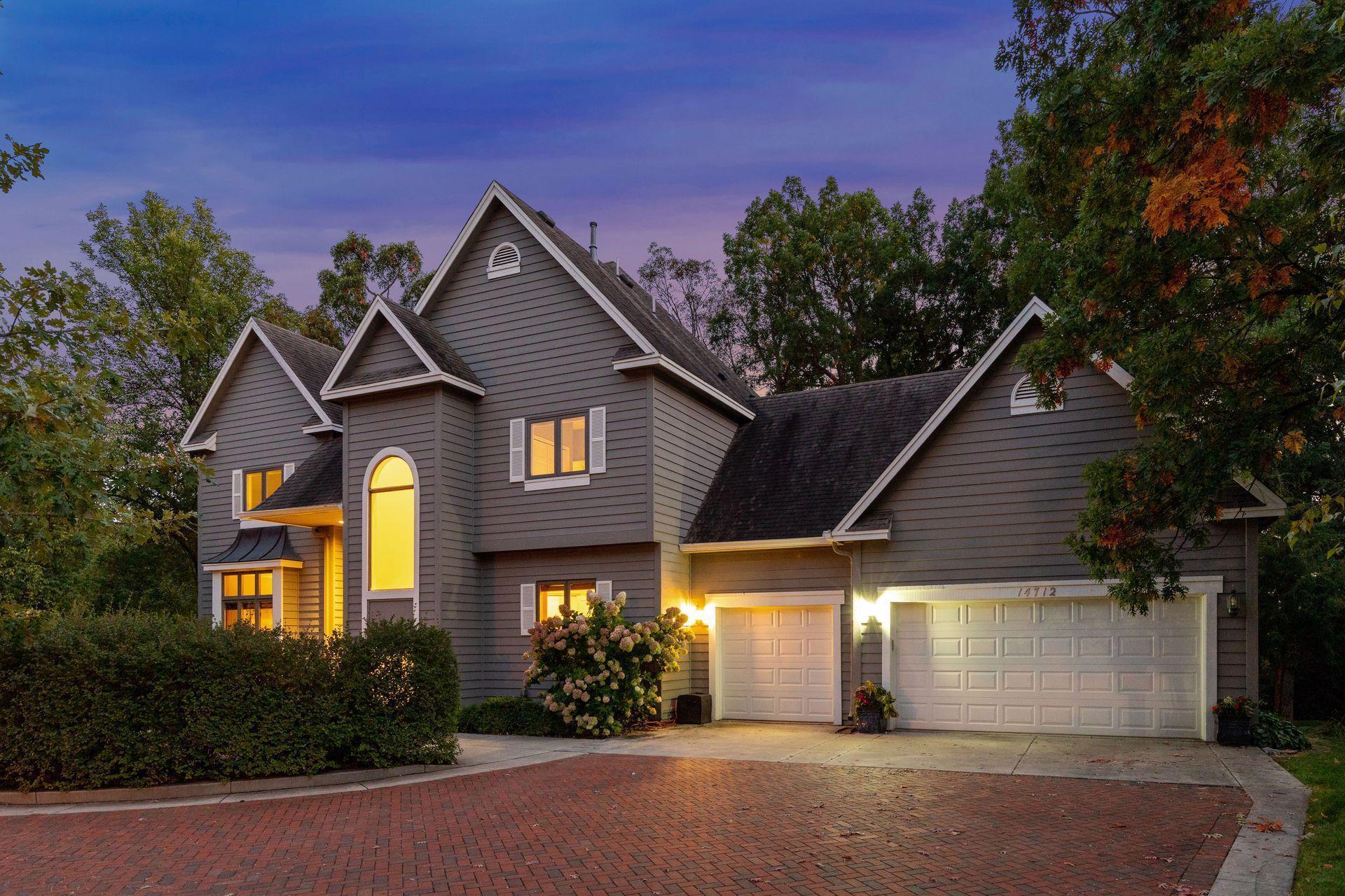 14712 Summit Oaks Drive Property Photo - Burnsville, MN real estate listing