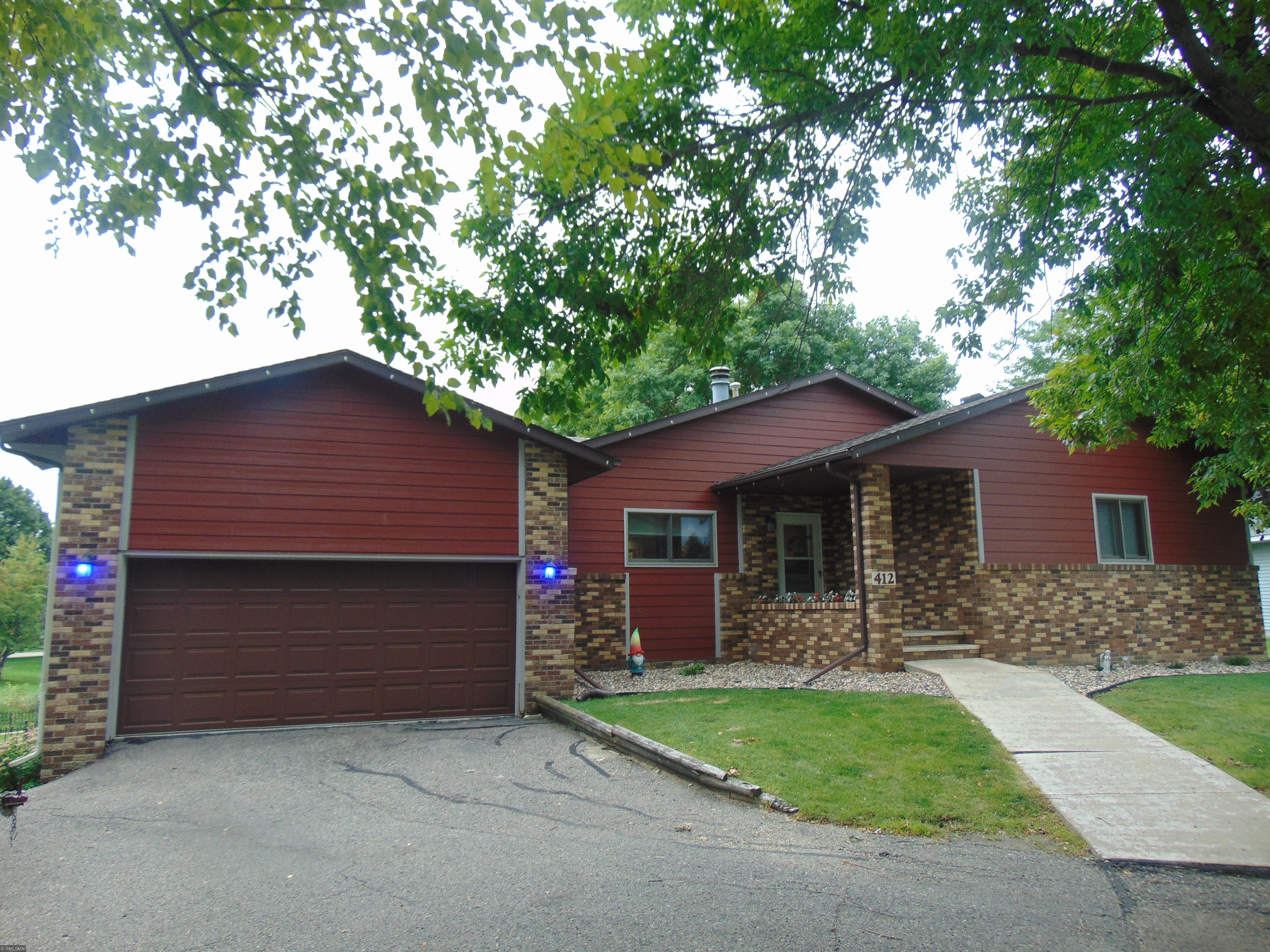 412 Ptarmigan Court Property Photo - Waseca, MN real estate listing