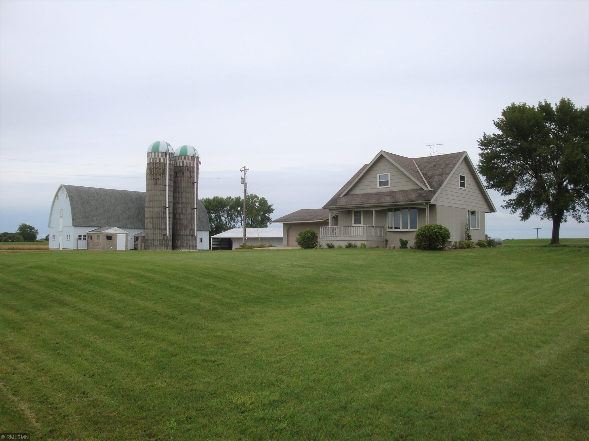 4254 220th Street Property Photo - Winsted, MN real estate listing