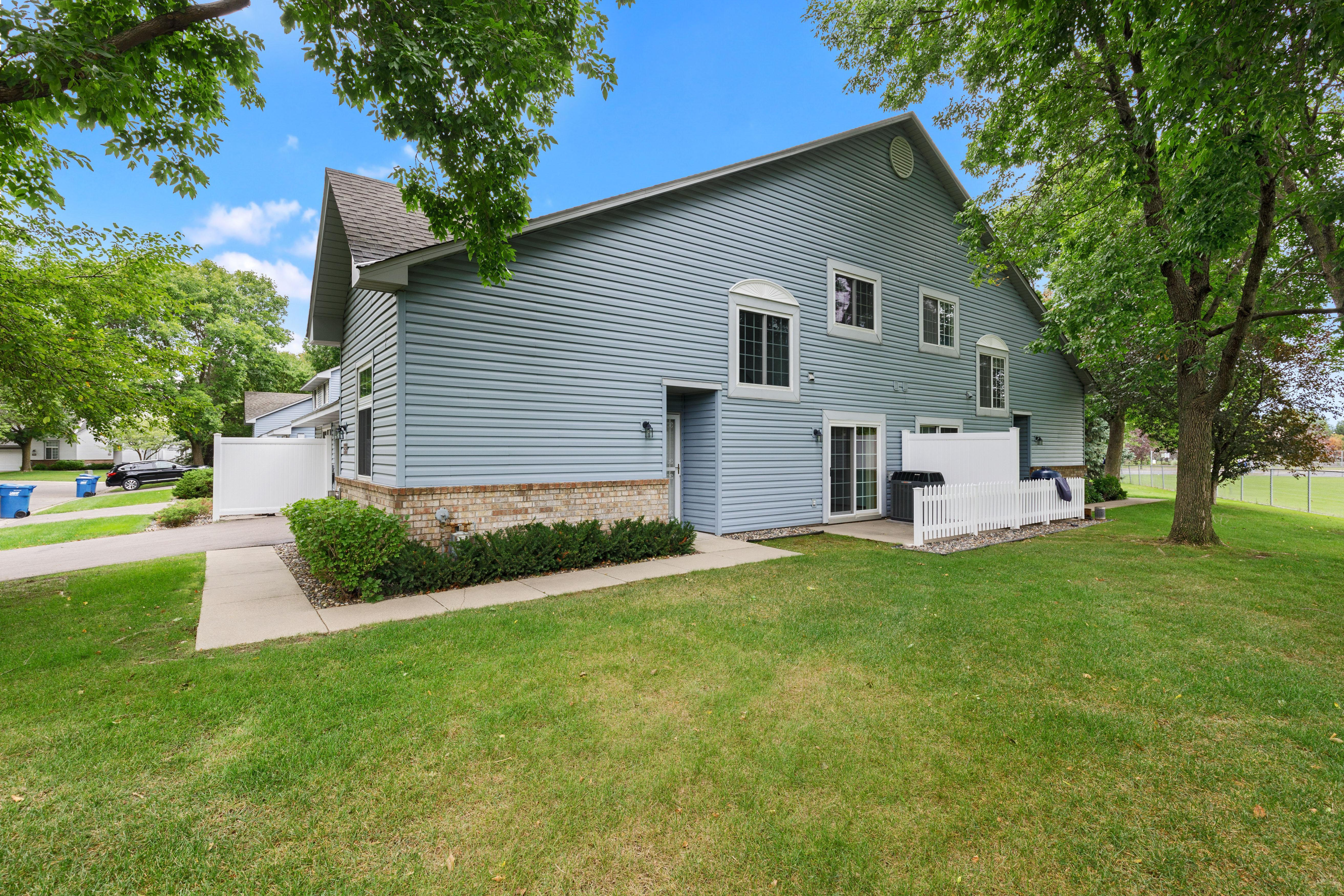 2592 Bedford Court #18 Property Photo - Mendota Heights, MN real estate listing
