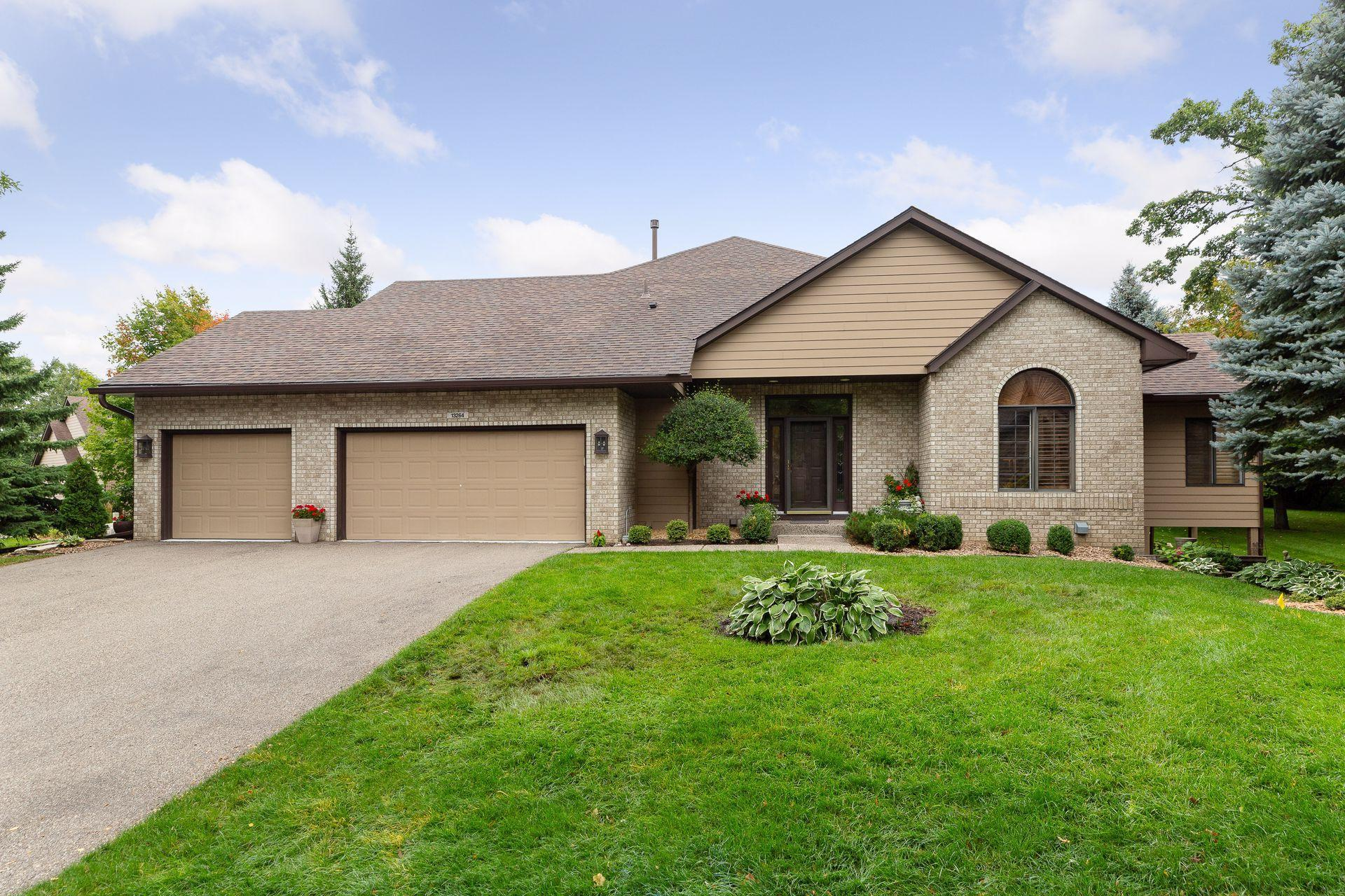 13264 Huntington Terrace Property Photo - Apple Valley, MN real estate listing