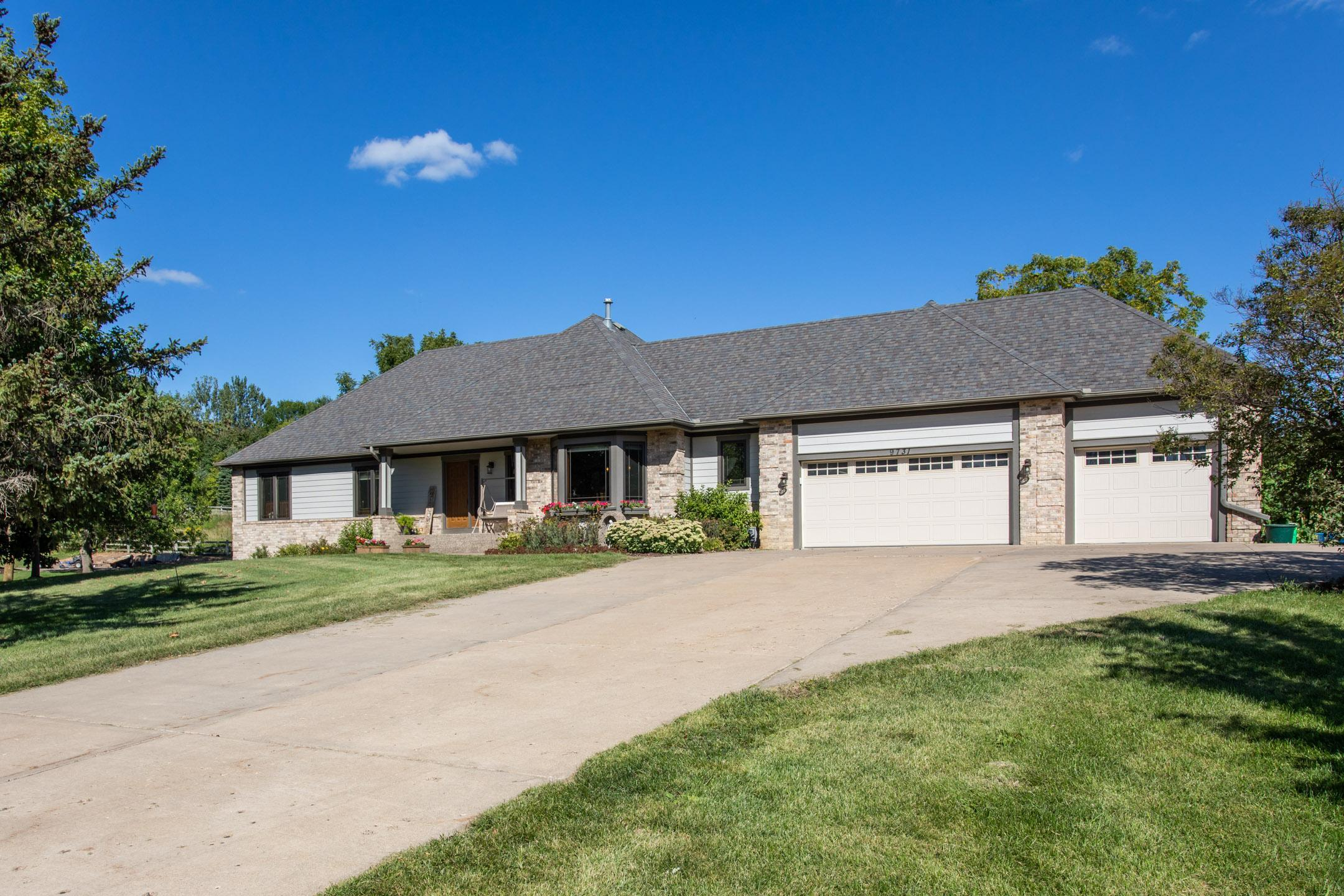 9731 Meadowlark Lane Property Photo - Chanhassen, MN real estate listing