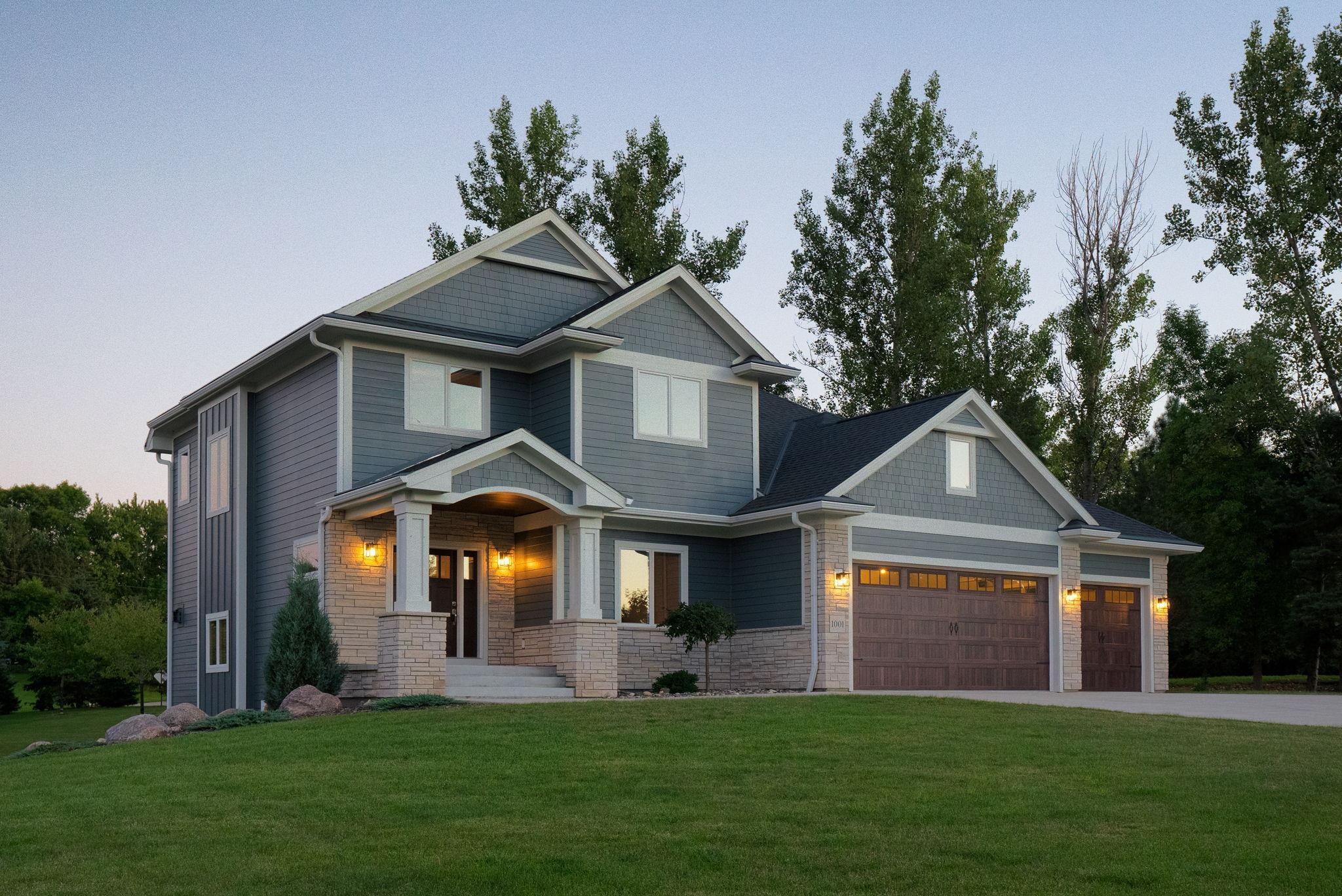 1001 Applewood Court Property Photo - Mankato, MN real estate listing