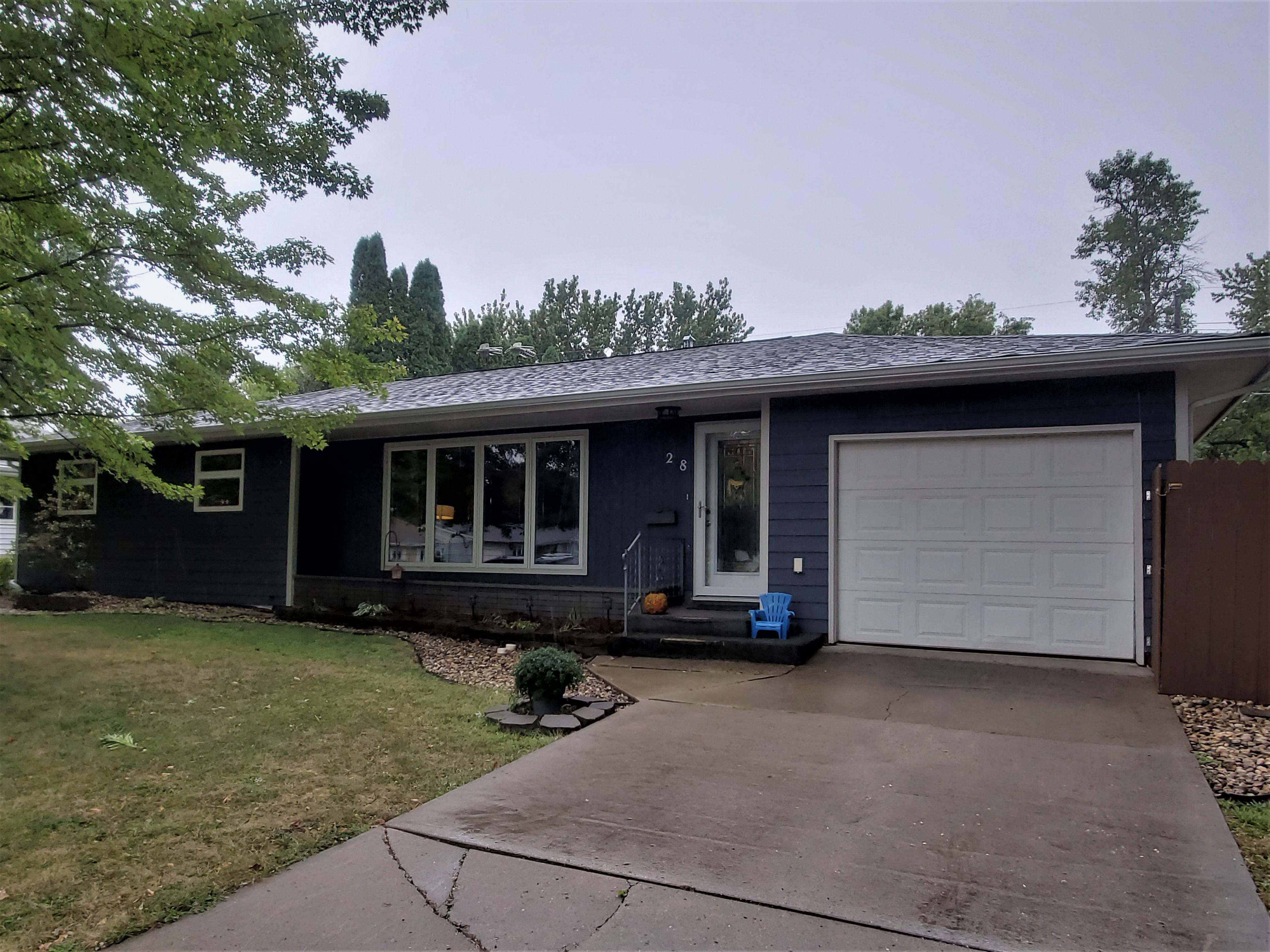 28 Elbon Drive Property Photo - Pipestone, MN real estate listing