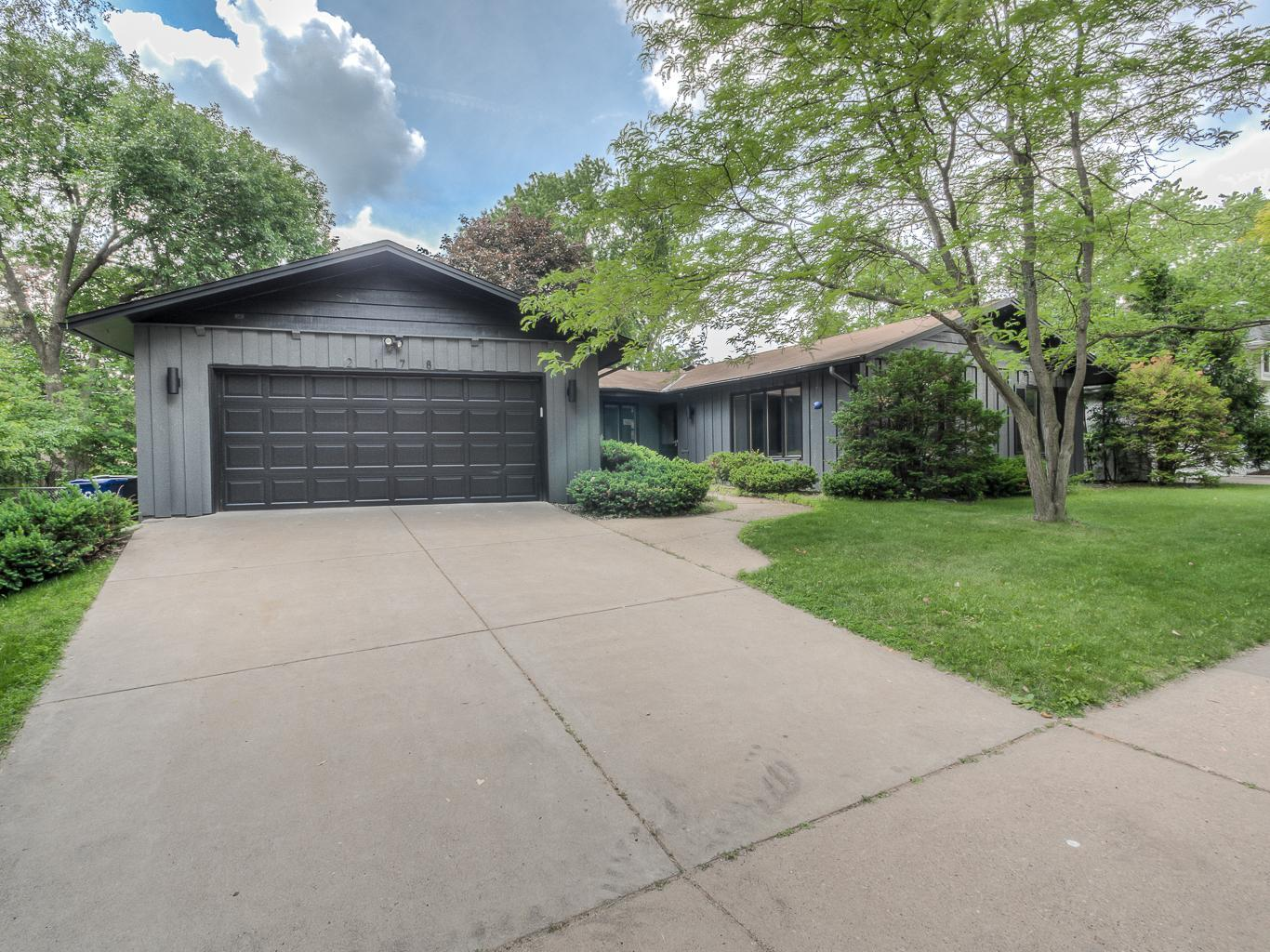 2178 Larry Ho Drive Property Photo - Saint Paul, MN real estate listing