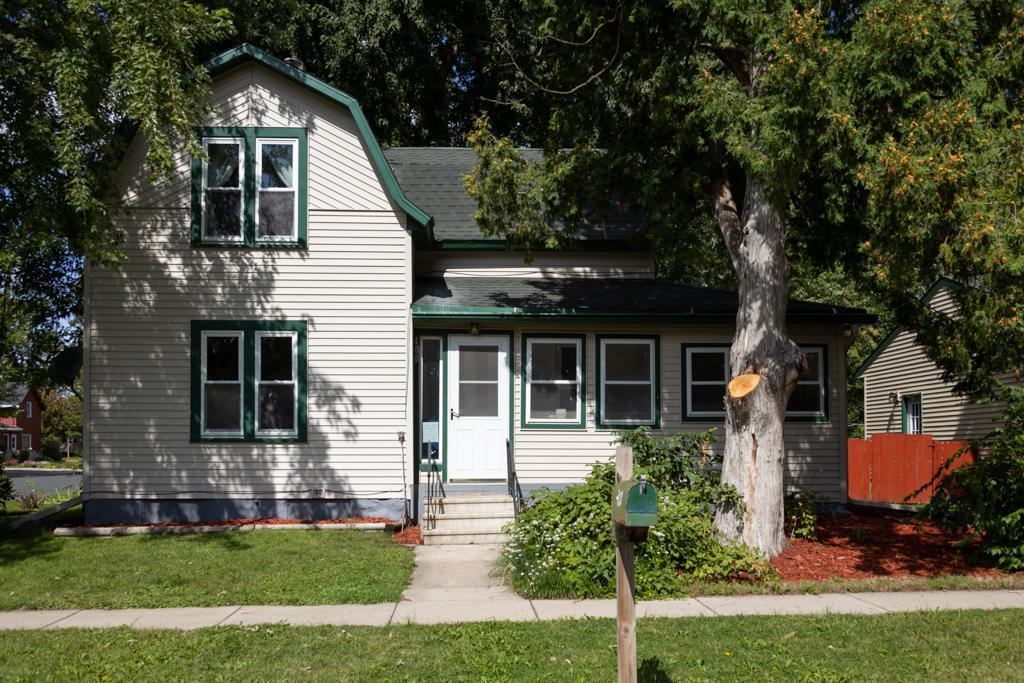400 E Washington Street Property Photo - Le Center, MN real estate listing