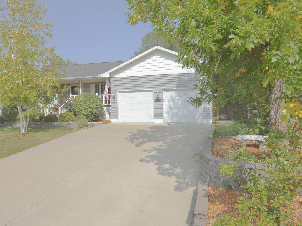 705 7th Street N Property Photo - Montrose, MN real estate listing