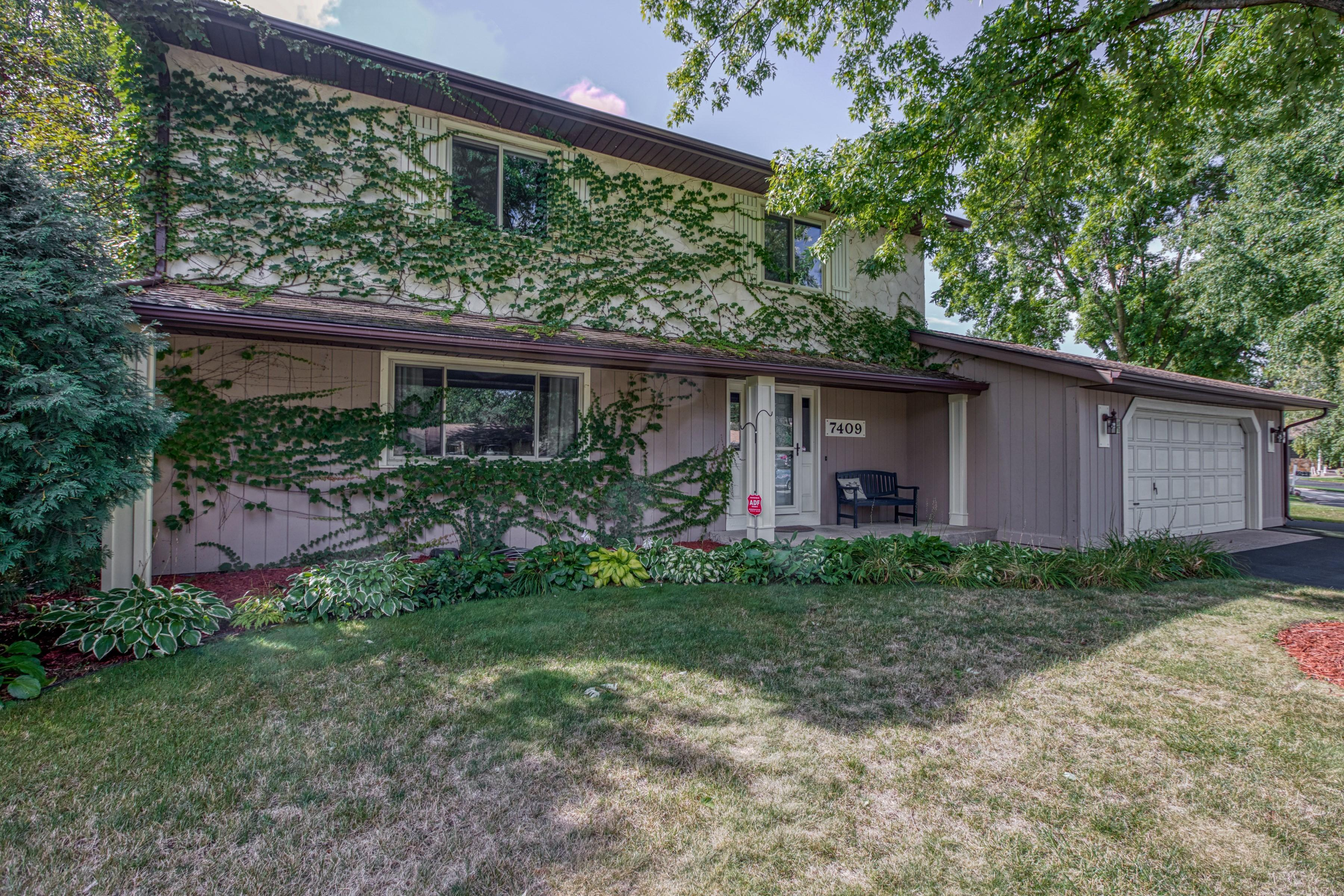 7409 Blaine Court Property Photo - Inver Grove Heights, MN real estate listing