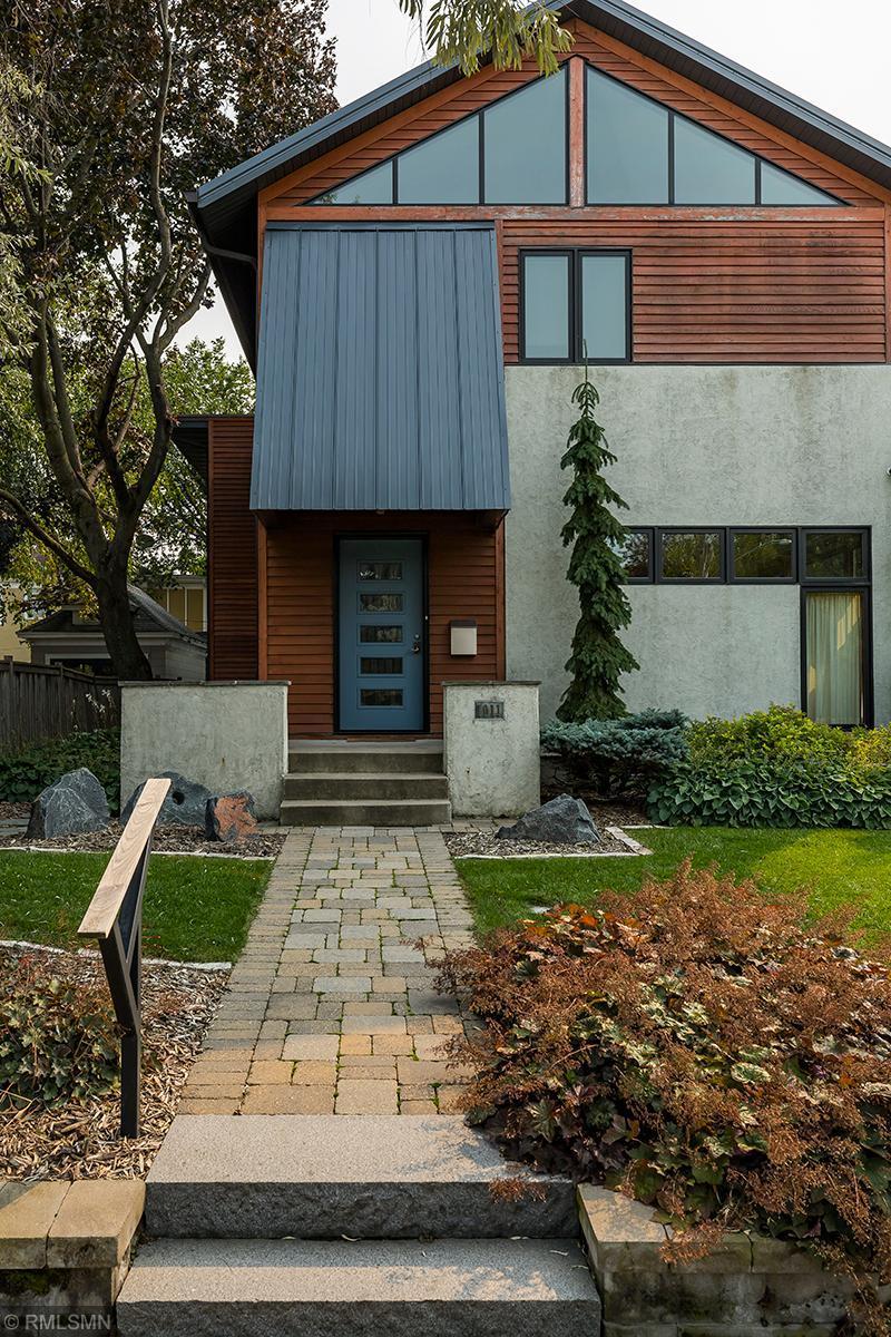 1011 W 36th Street Property Photo - Minneapolis, MN real estate listing