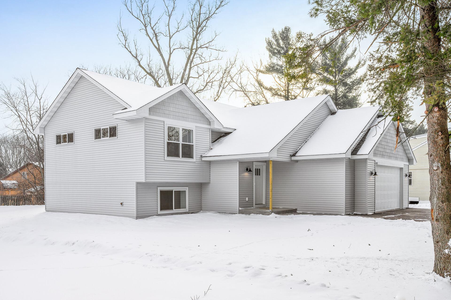 2683 Gresham Avenue N Property Photo
