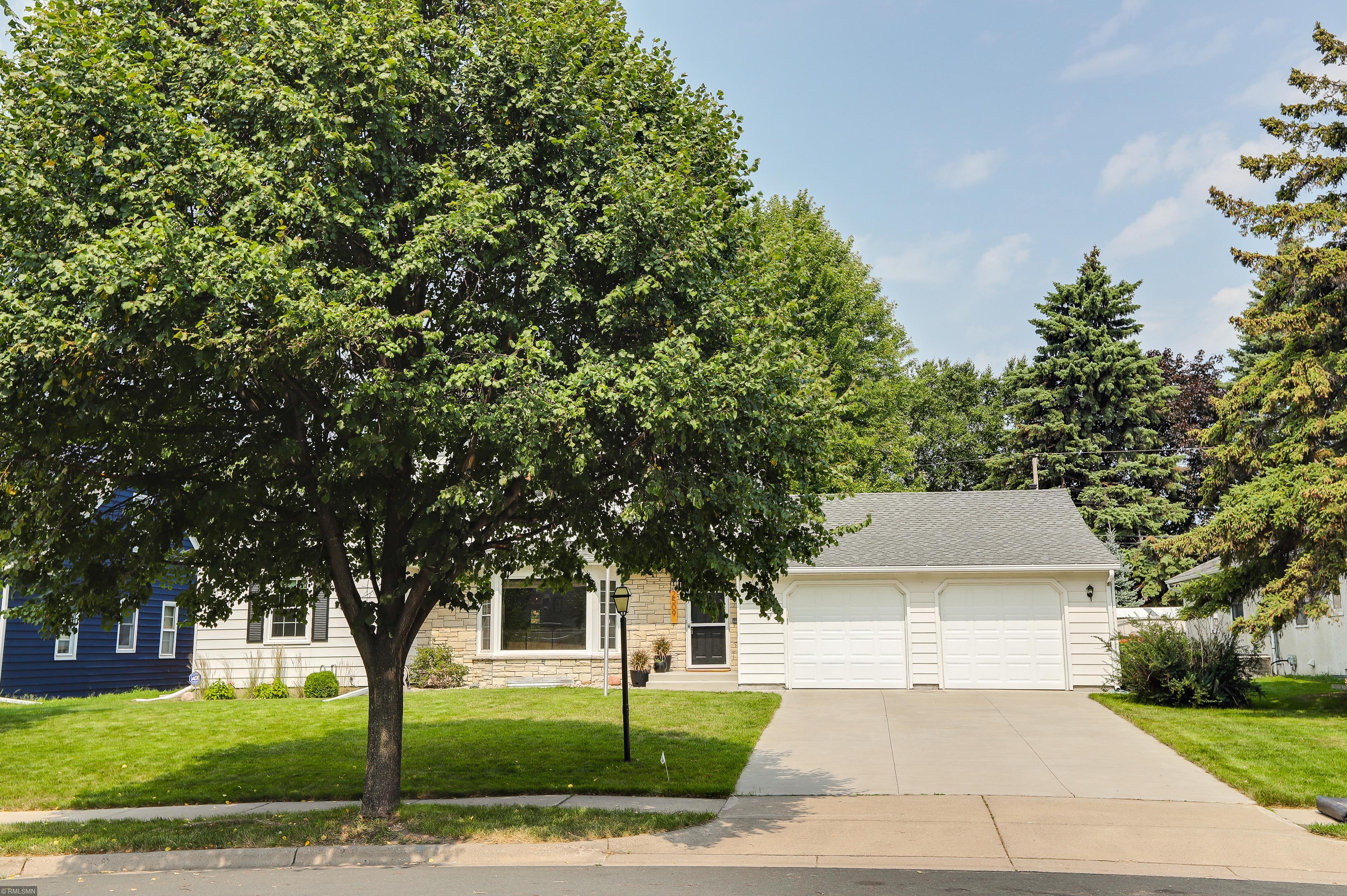 2509 29th Avenue NE Property Photo - Saint Anthony, MN real estate listing