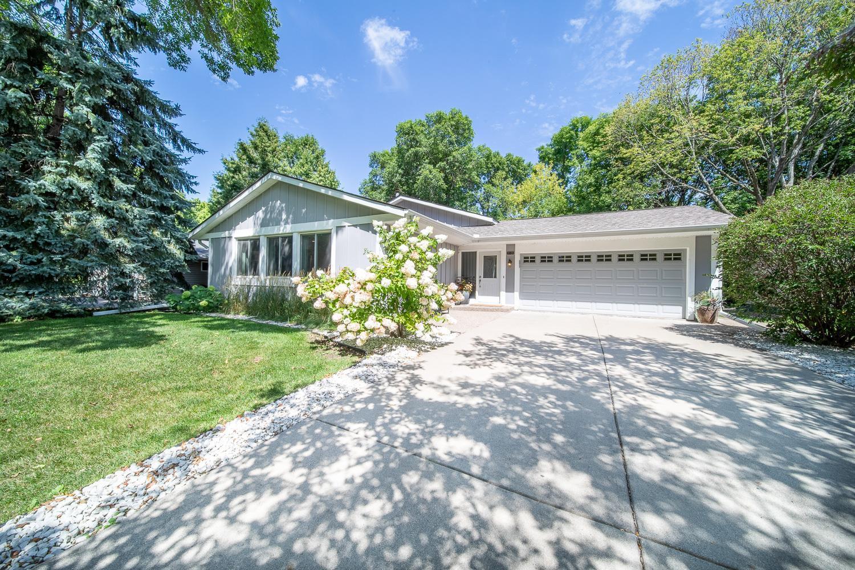 8725 Leeward Circle Property Photo - Eden Prairie, MN real estate listing