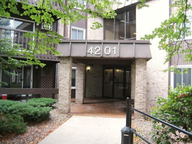 4201 Lakeside Avenue N #202 Property Photo - Brooklyn Center, MN real estate listing