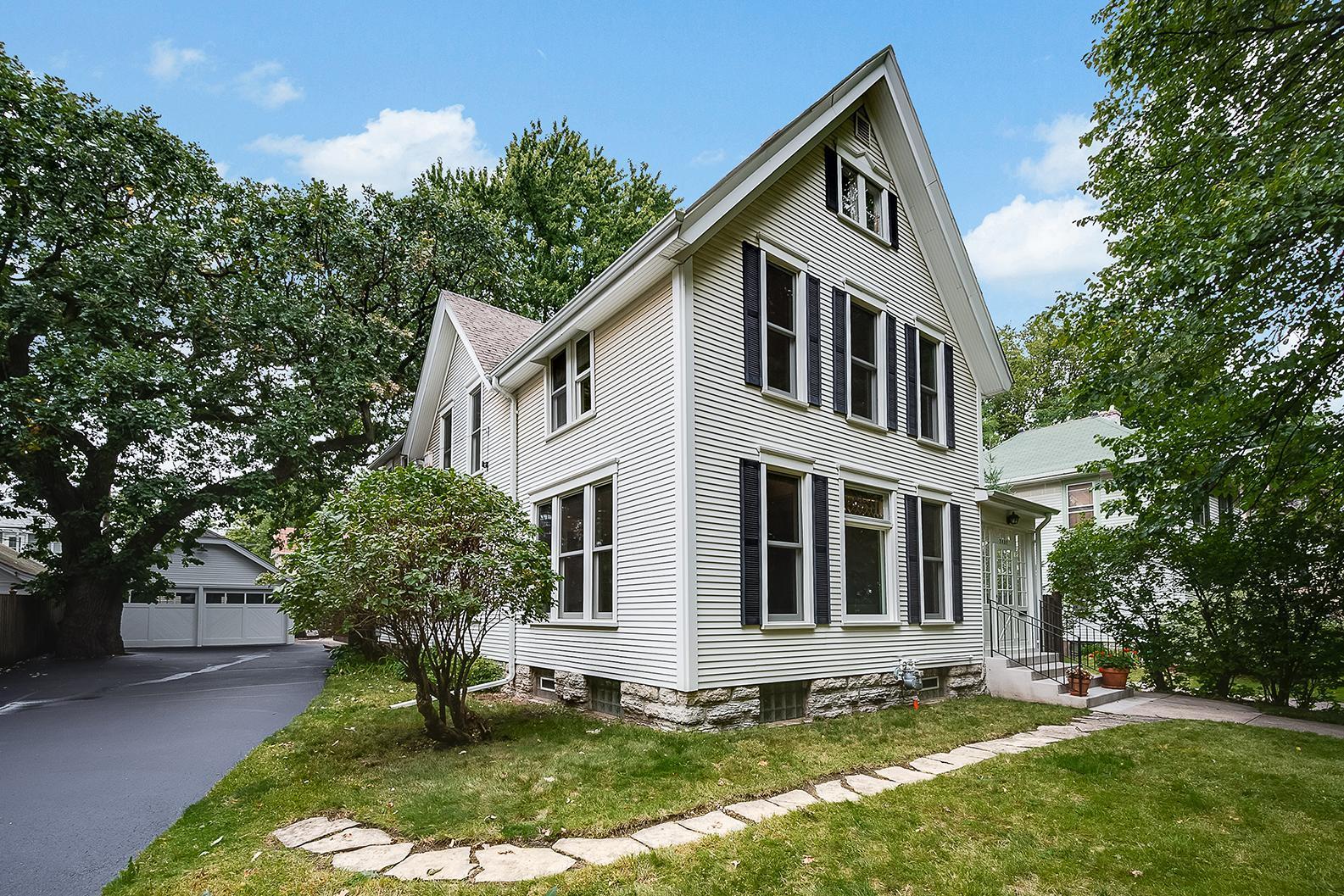 2432 Pleasant Avenue Property Photo