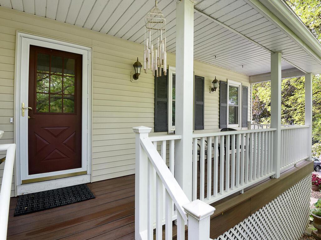 9123 Norman Ridge Circle Property Photo - Bloomington, MN real estate listing