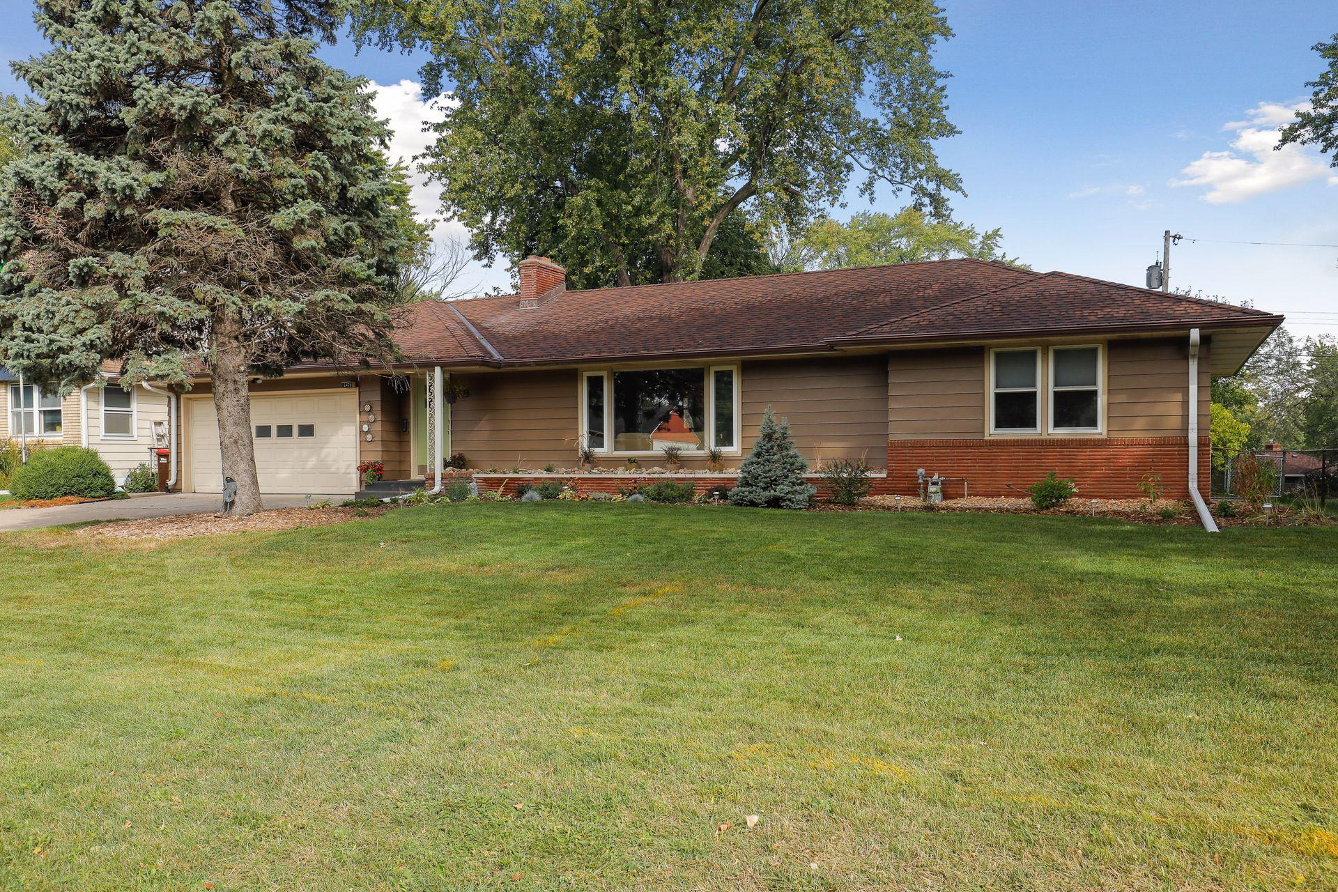 2408 Isalona Lane Property Photo - South Saint Paul, MN real estate listing