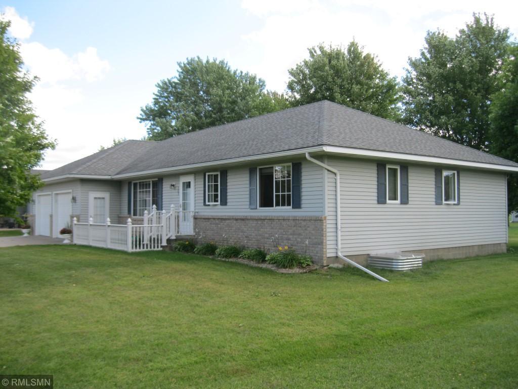509 Main Street E Property Photo