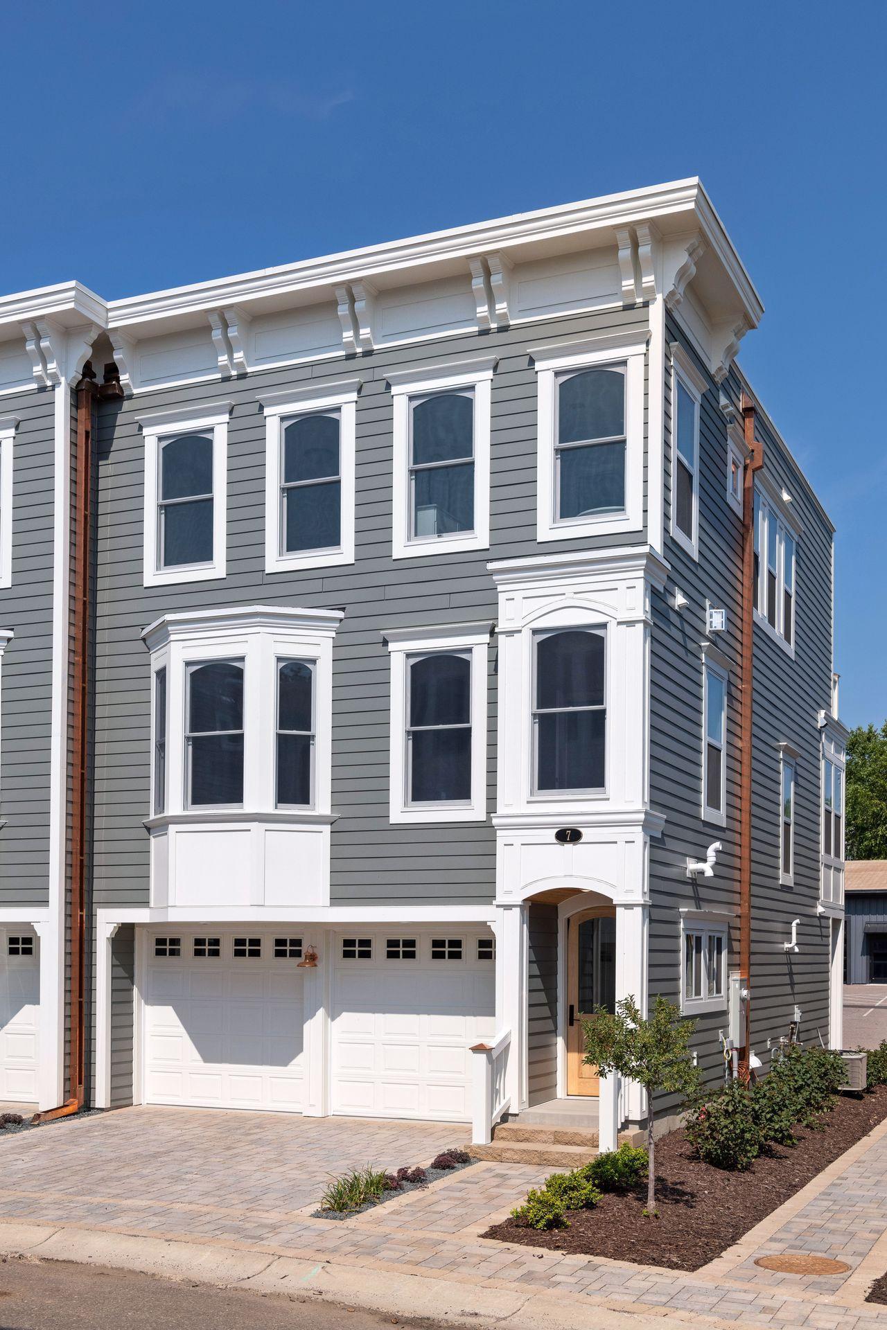 7 Village Lane Property Photo - Excelsior, MN real estate listing