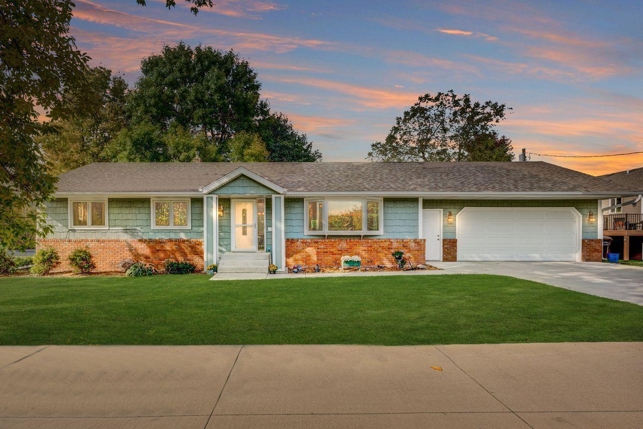 415 1st Street N Property Photo - Montrose, MN real estate listing