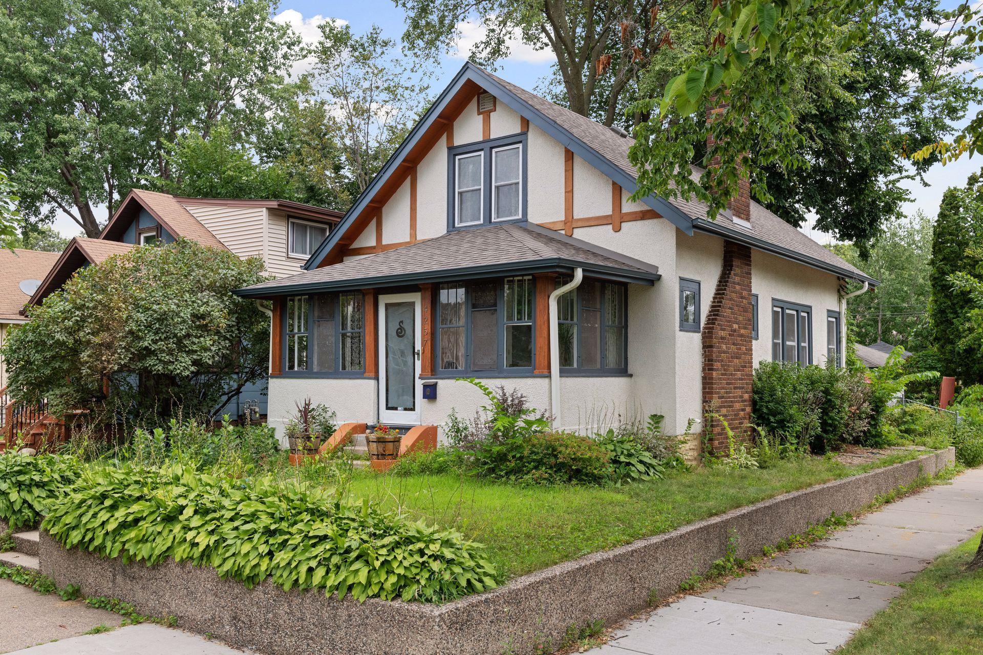 4257 Oakland Avenue Property Photo - Minneapolis, MN real estate listing