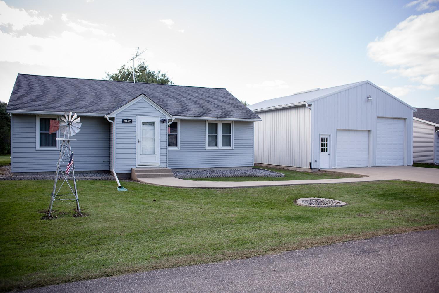 9142 9th Avenue Property Photo - New Auburn, MN real estate listing