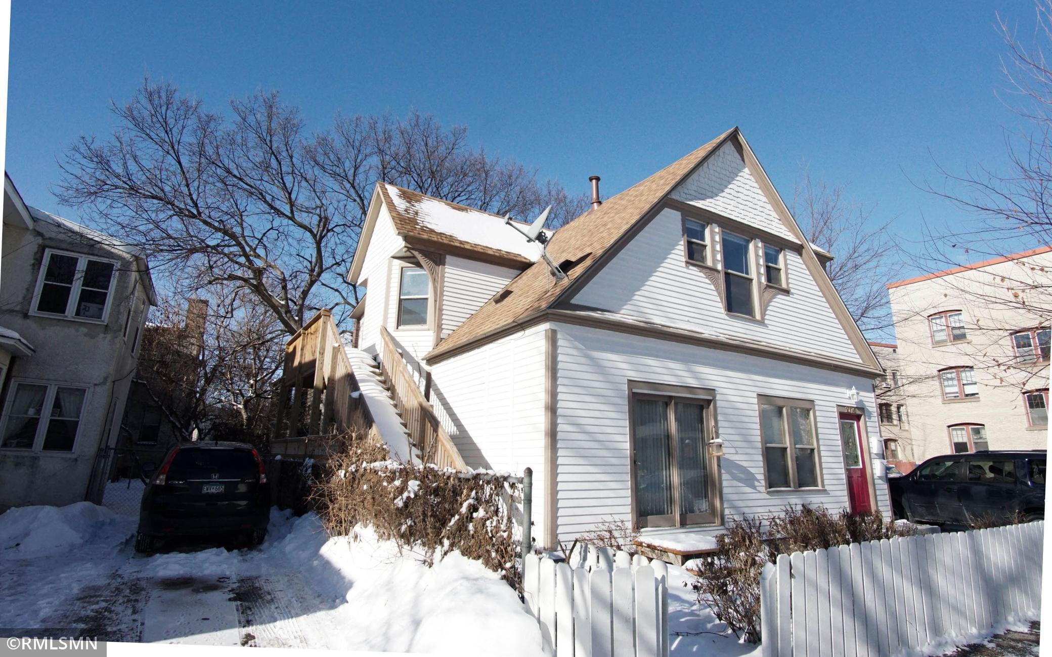 2716 Girard Avenue S Property Photo