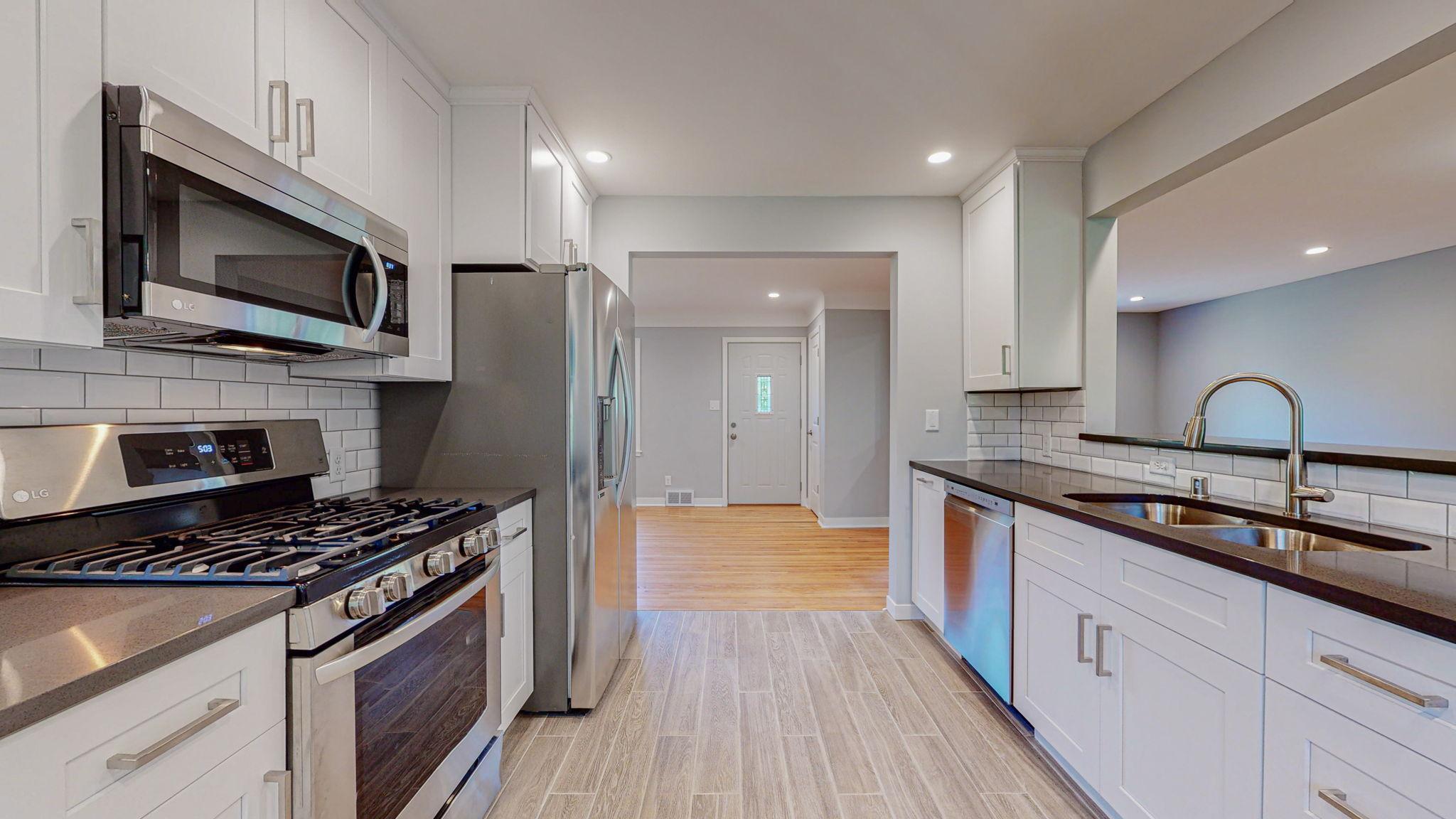 10042 Clinton Avenue S Property Photo - Bloomington, MN real estate listing