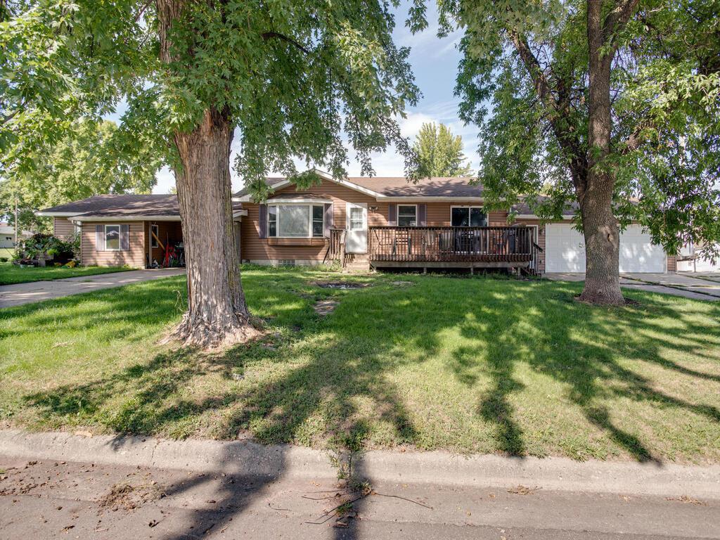 205 6th Street E Property Photo - Glencoe, MN real estate listing
