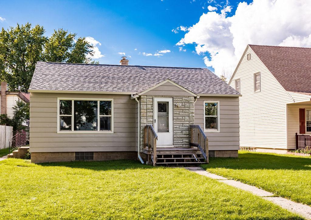 306 8th Avenue Property Photo - Bovey, MN real estate listing