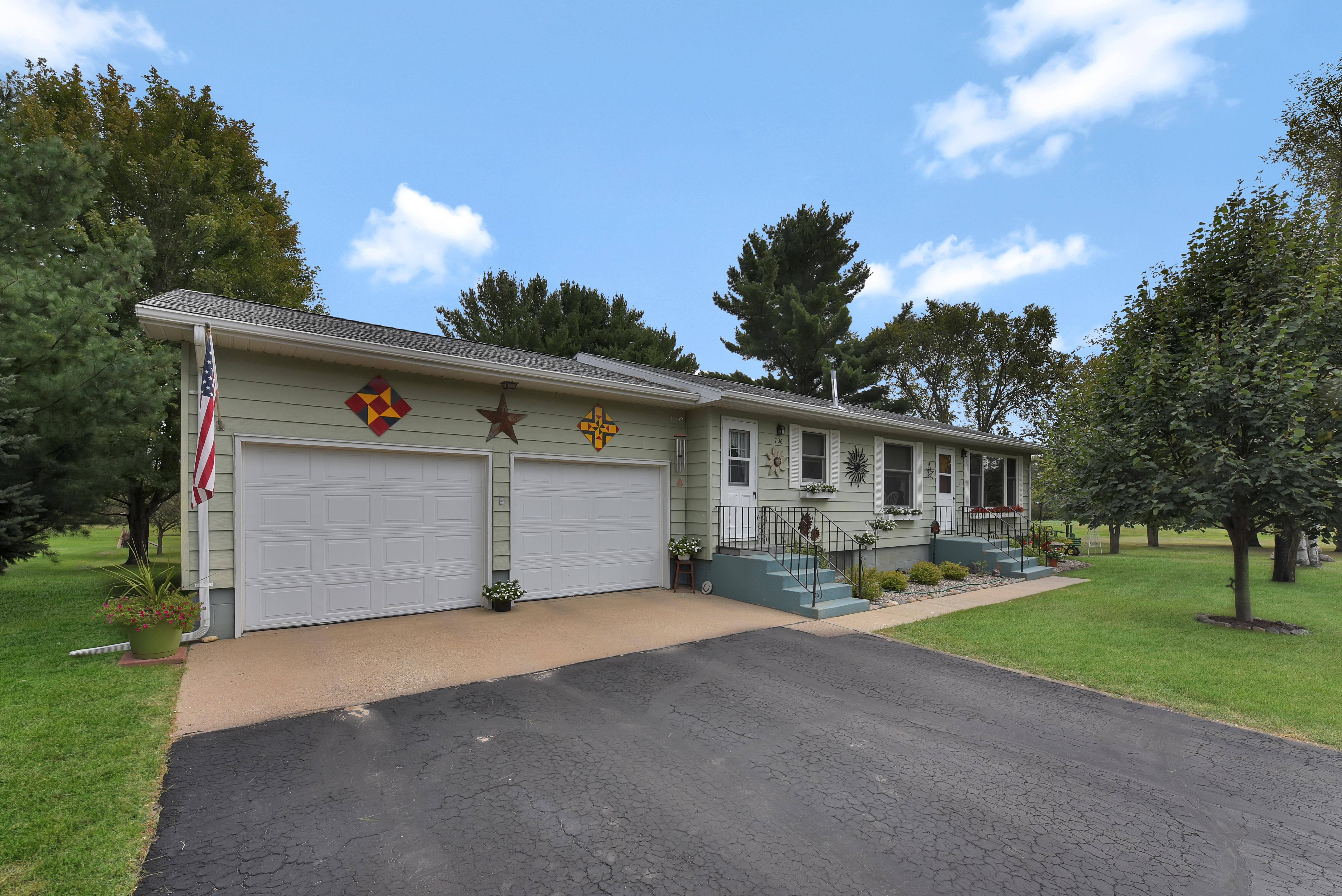 706 Pine Grove Road Property Photo - Staples, MN real estate listing