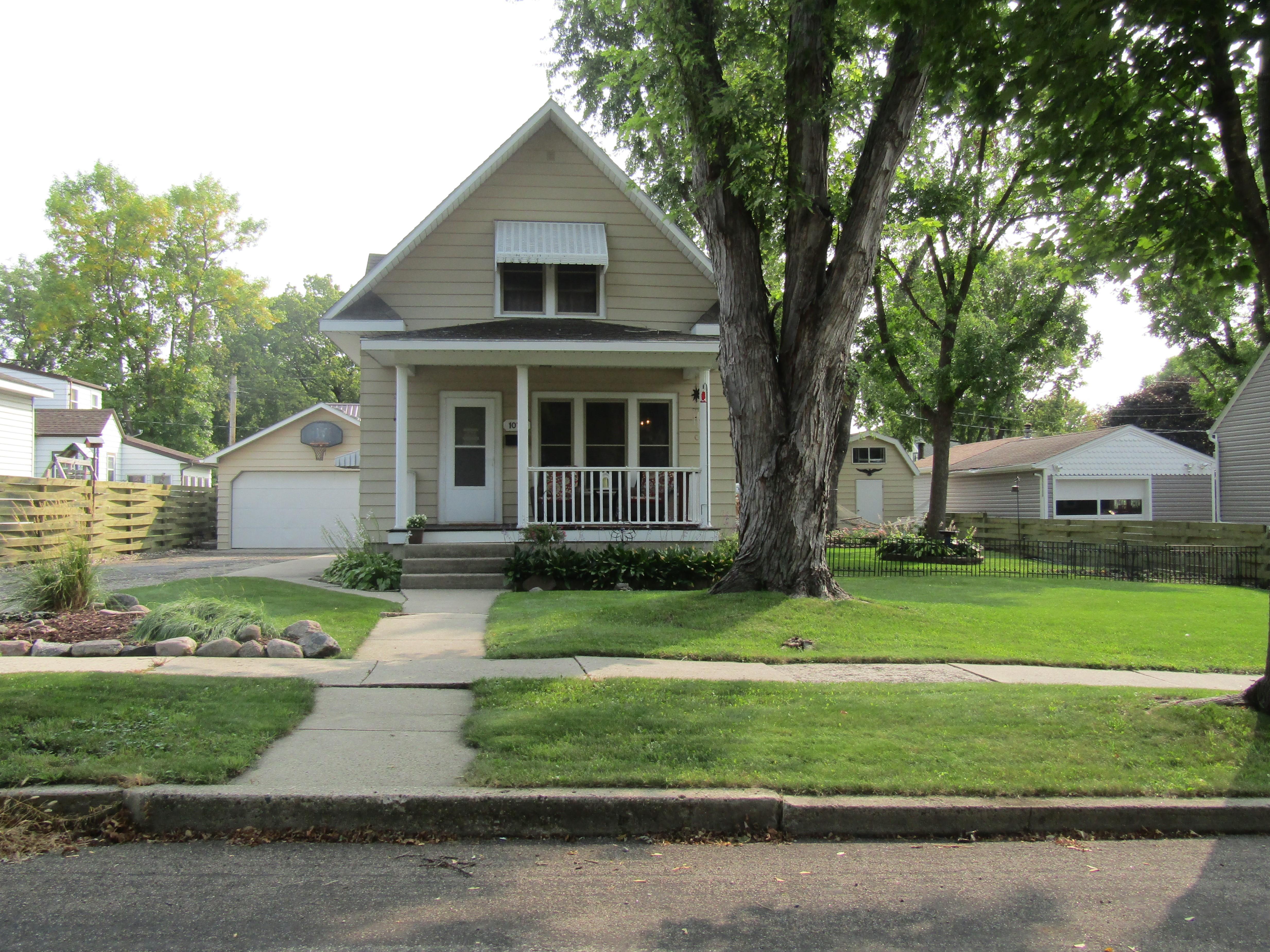 1075 6th Street Property Photo - Granite Falls, MN real estate listing
