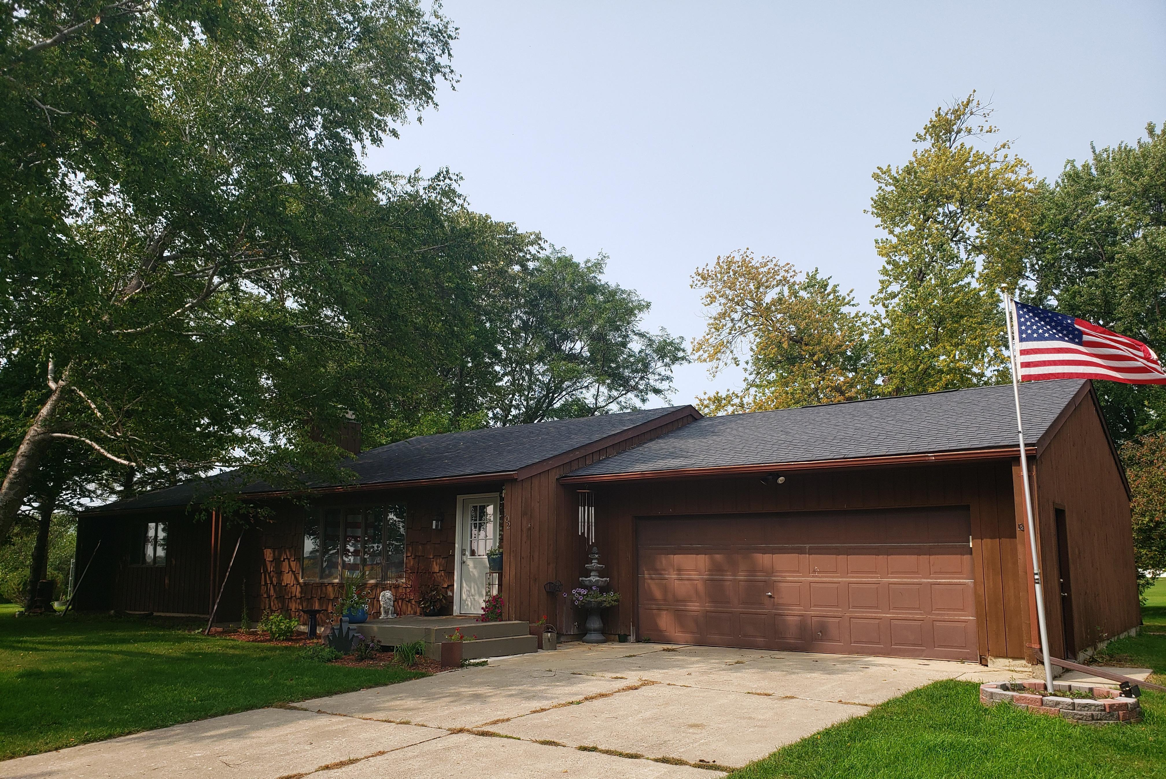 102 4th Street SW Property Photo - Clarks Grove, MN real estate listing