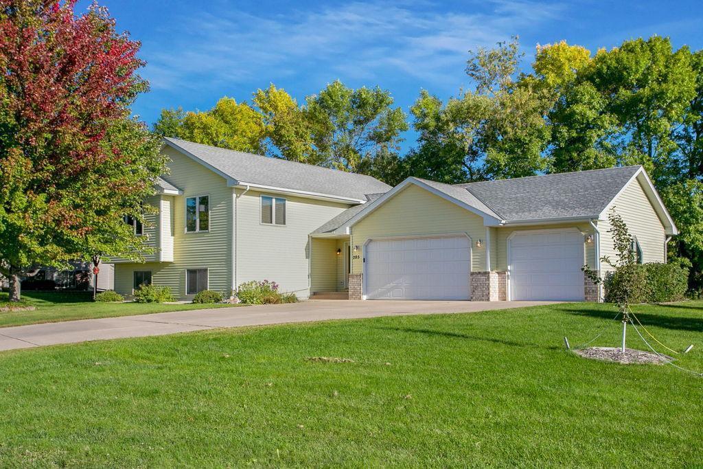 285 Fieldcrest Court Property Photo - Montrose, MN real estate listing