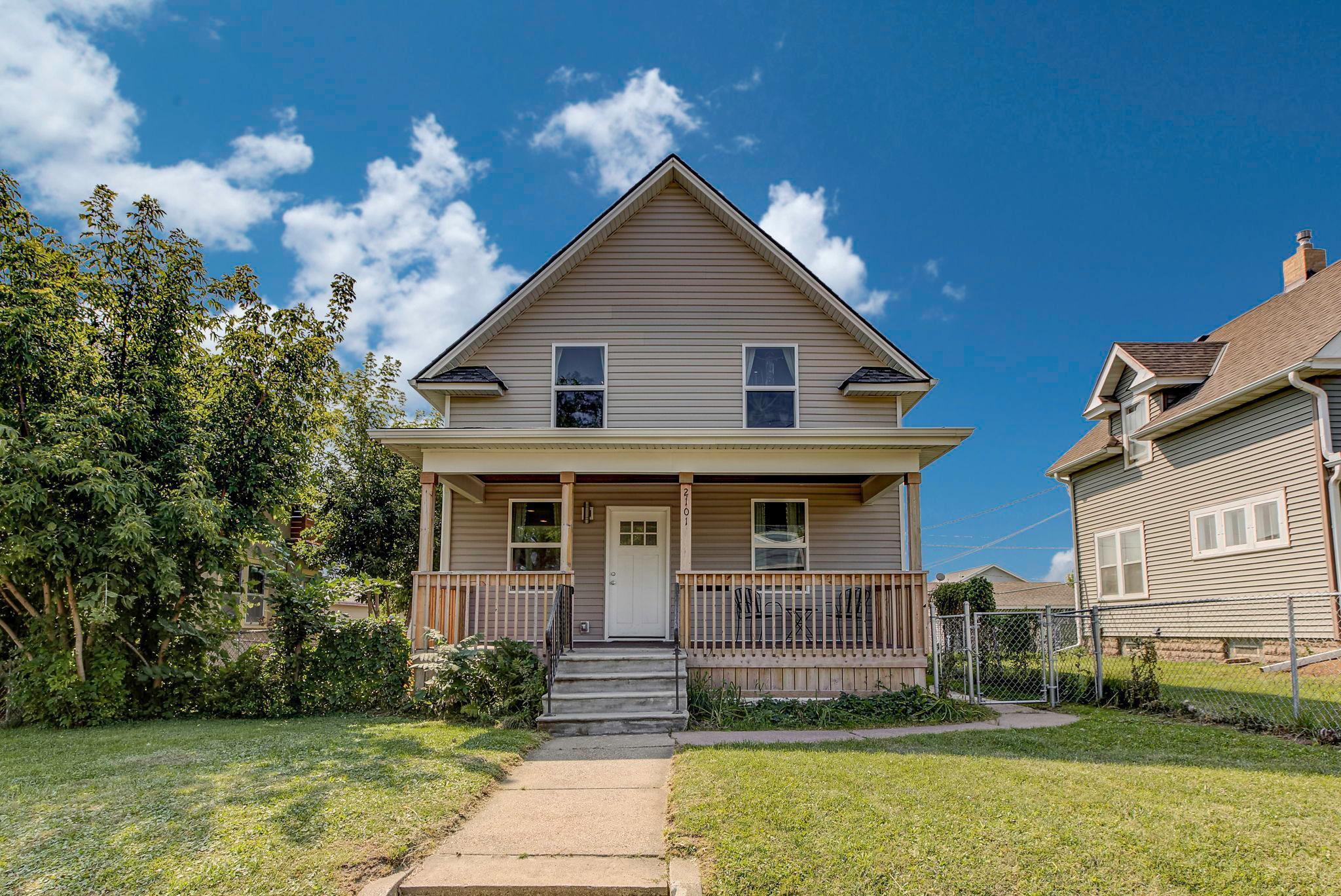 2101 26th Avenue N Property Photo - Minneapolis, MN real estate listing