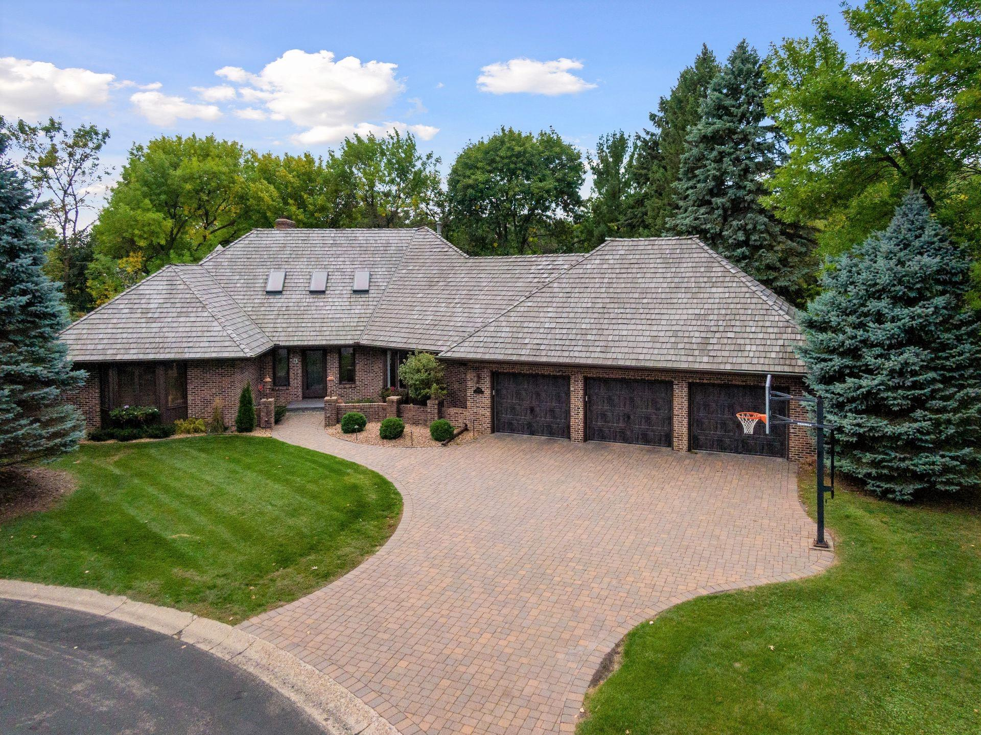 13176 Cardinal Creek Road Property Photo - Eden Prairie, MN real estate listing
