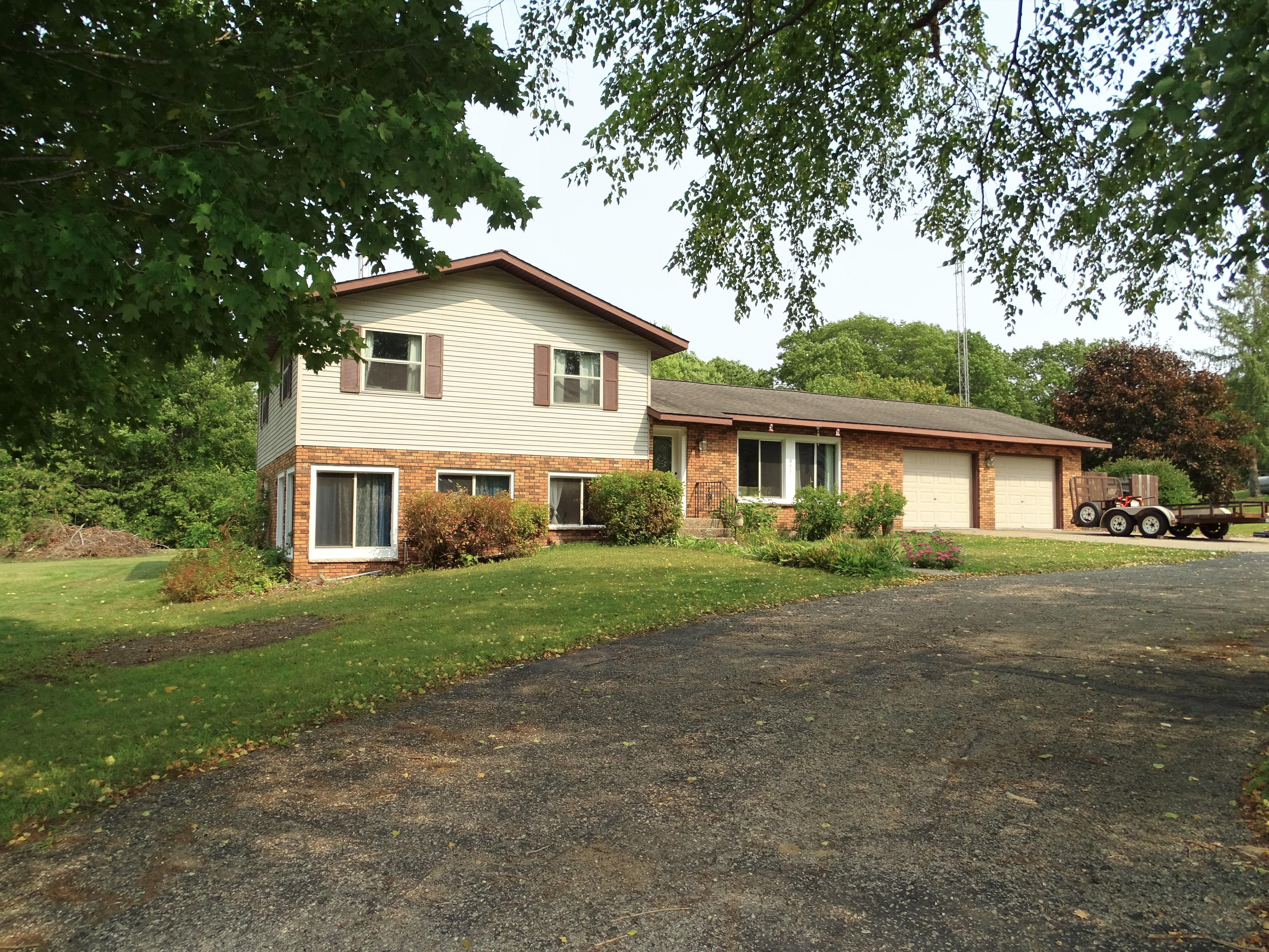 W2324 Highland Drive Property Photo - Durand, WI real estate listing