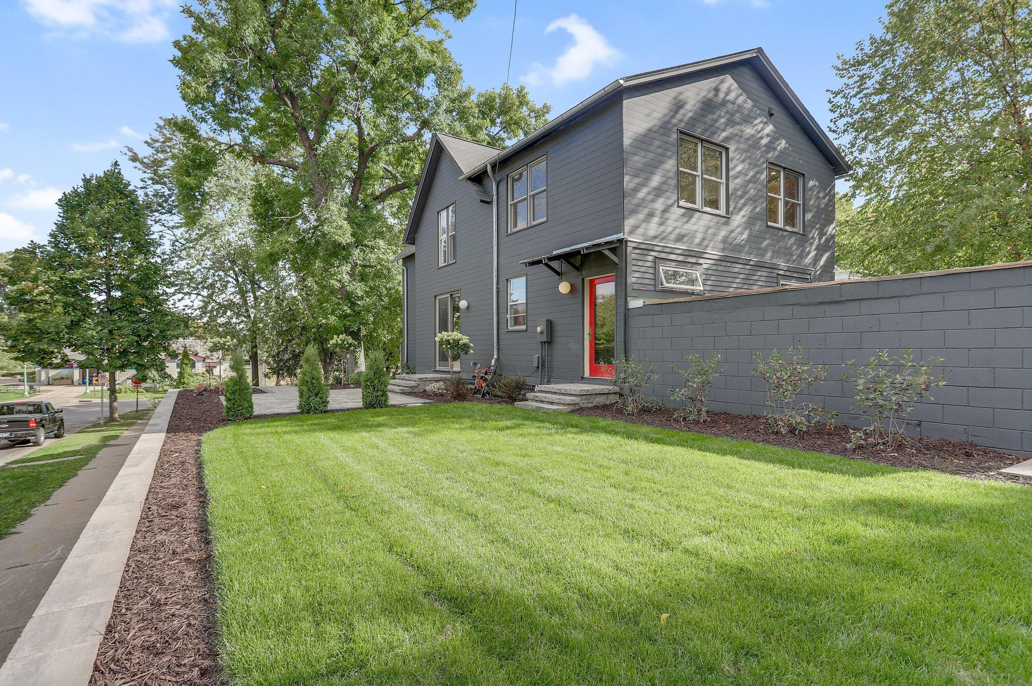 31 Langford Park Property Photo - Saint Paul, MN real estate listing