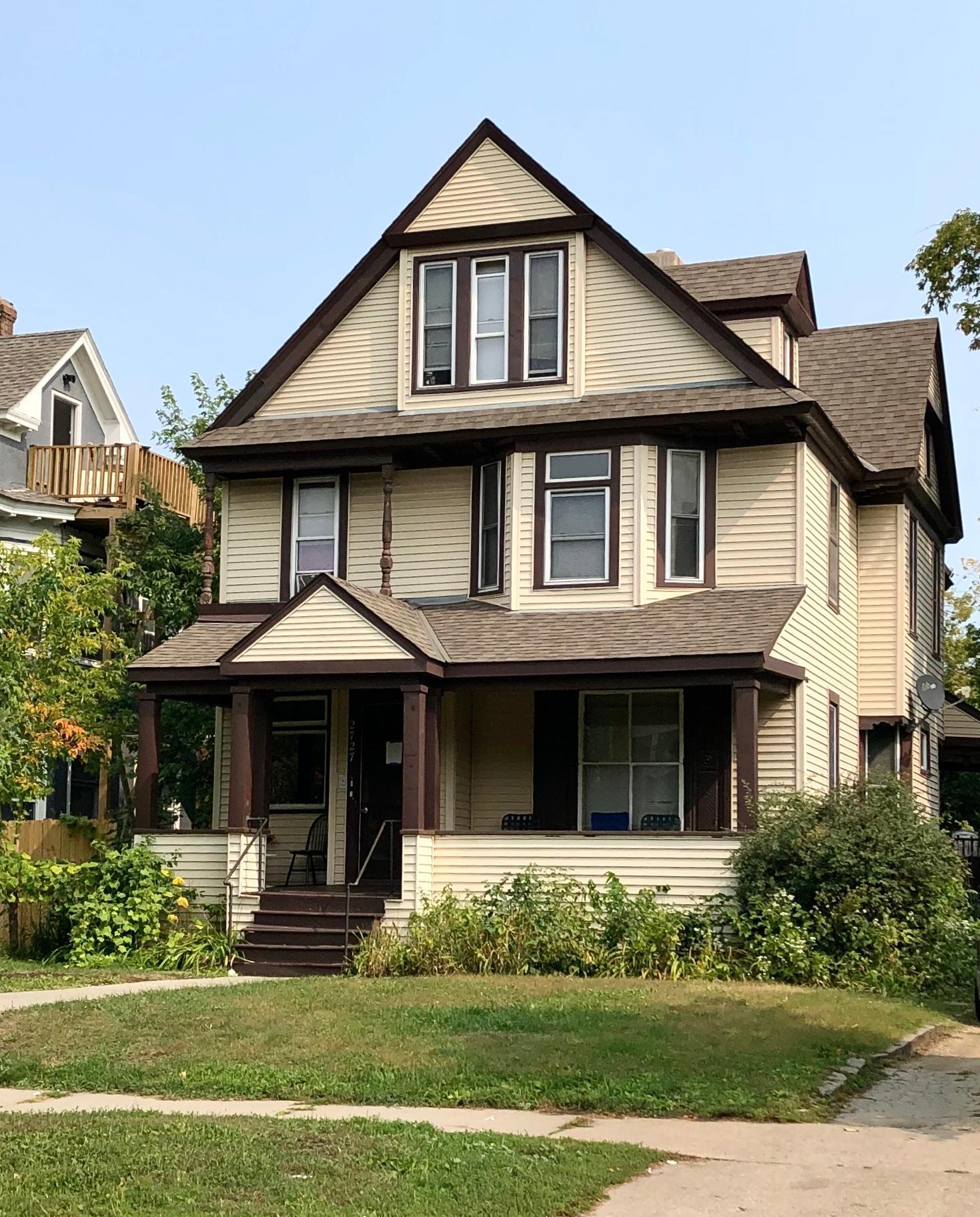 2727 Pillsbury Avenue S Property Photo
