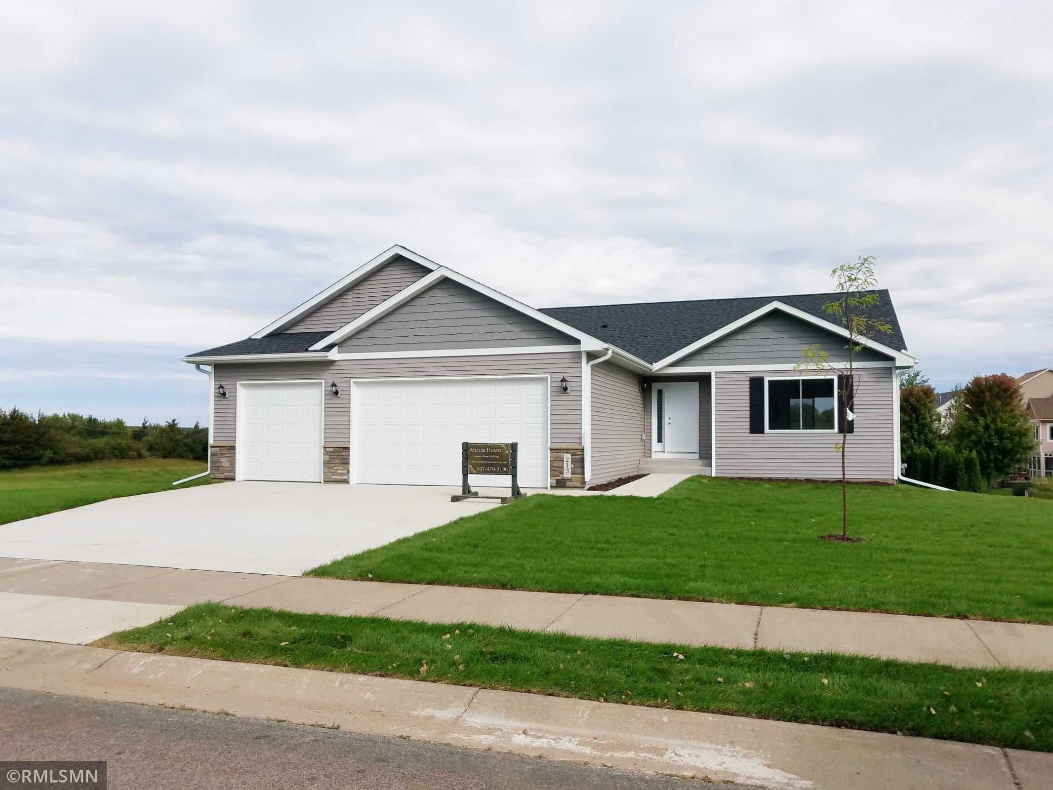 1114 Sunset Boulevard NW Property Photo - Montgomery, MN real estate listing