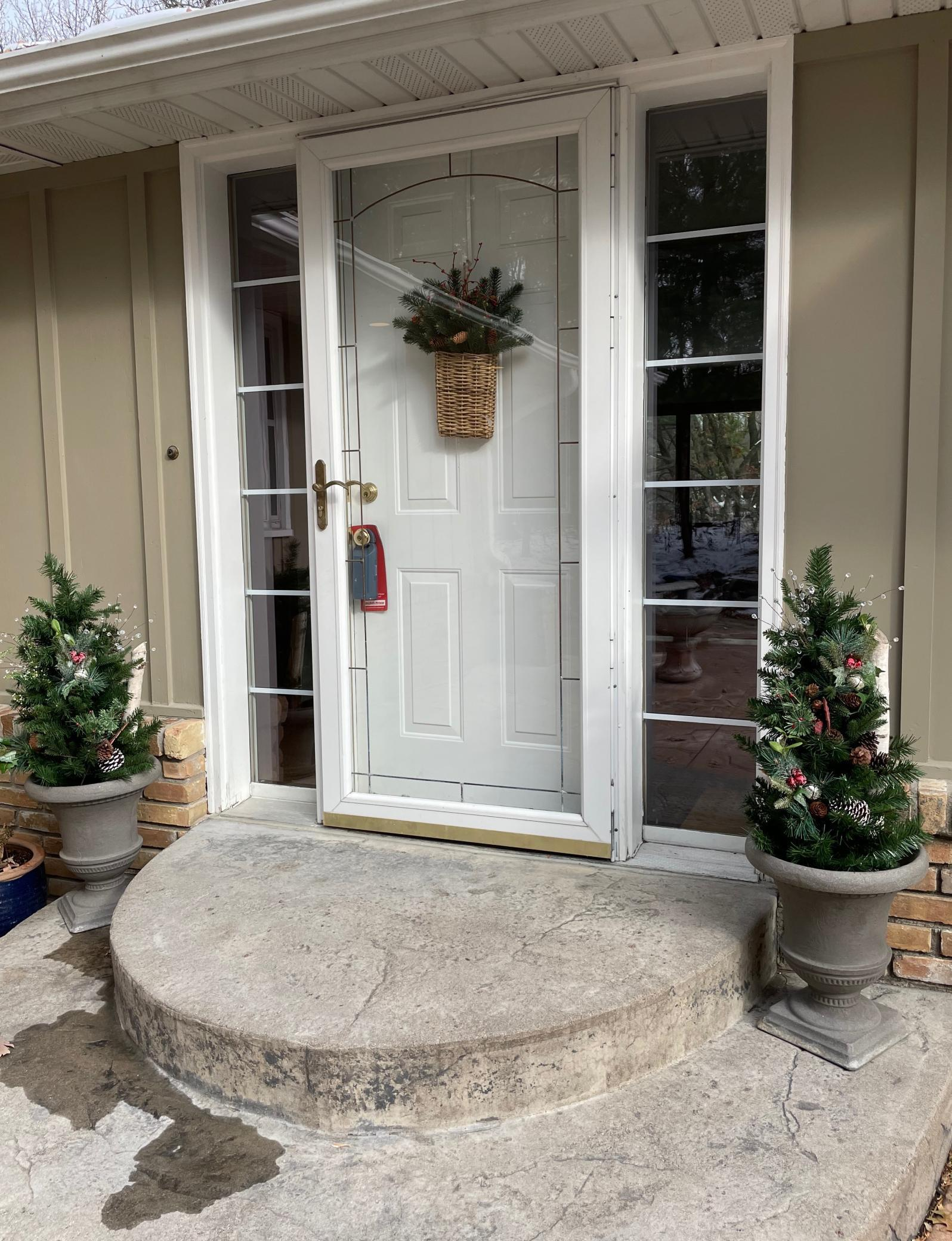 737 Amber Drive Property Photo - Shoreview, MN real estate listing